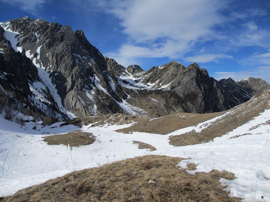 Da sotto il colle Preit, il vallone Cassin con il Boscasso subito dietro