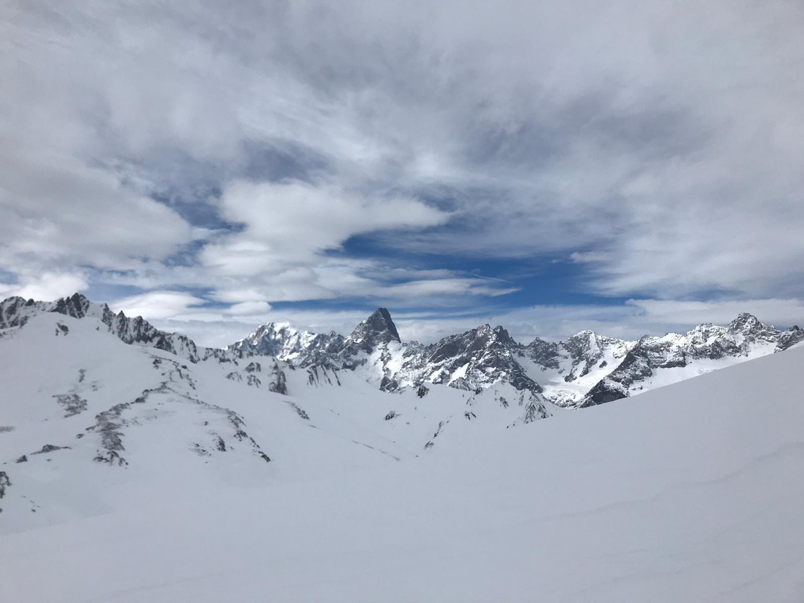 panorama spaziale nonostante le nuvole