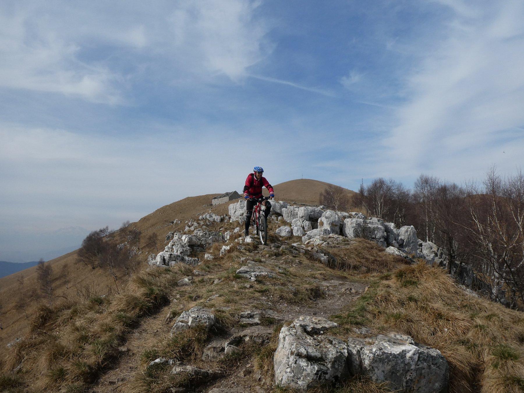 misto terra rocce ma solo pochi tratti a piedi