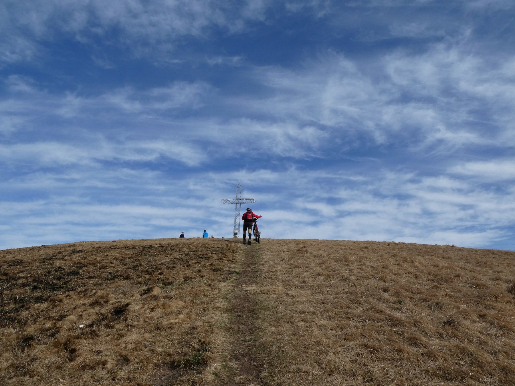 verso la cima del Monte Linzone 1392mt