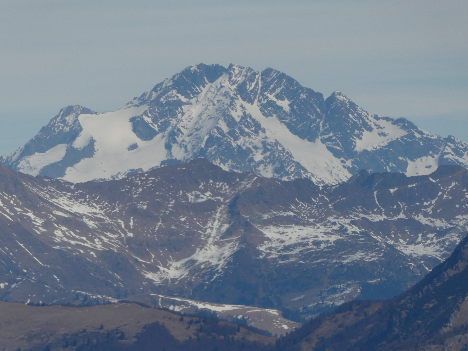 uno zoom sul Monte Disgrazia 3678mt