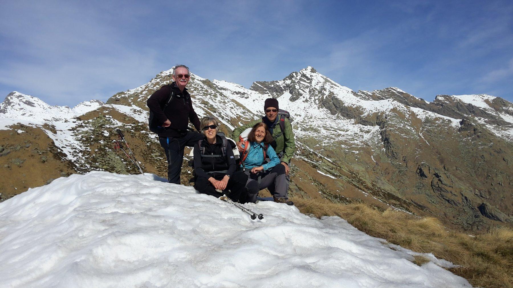 in cima con il monte Colombo