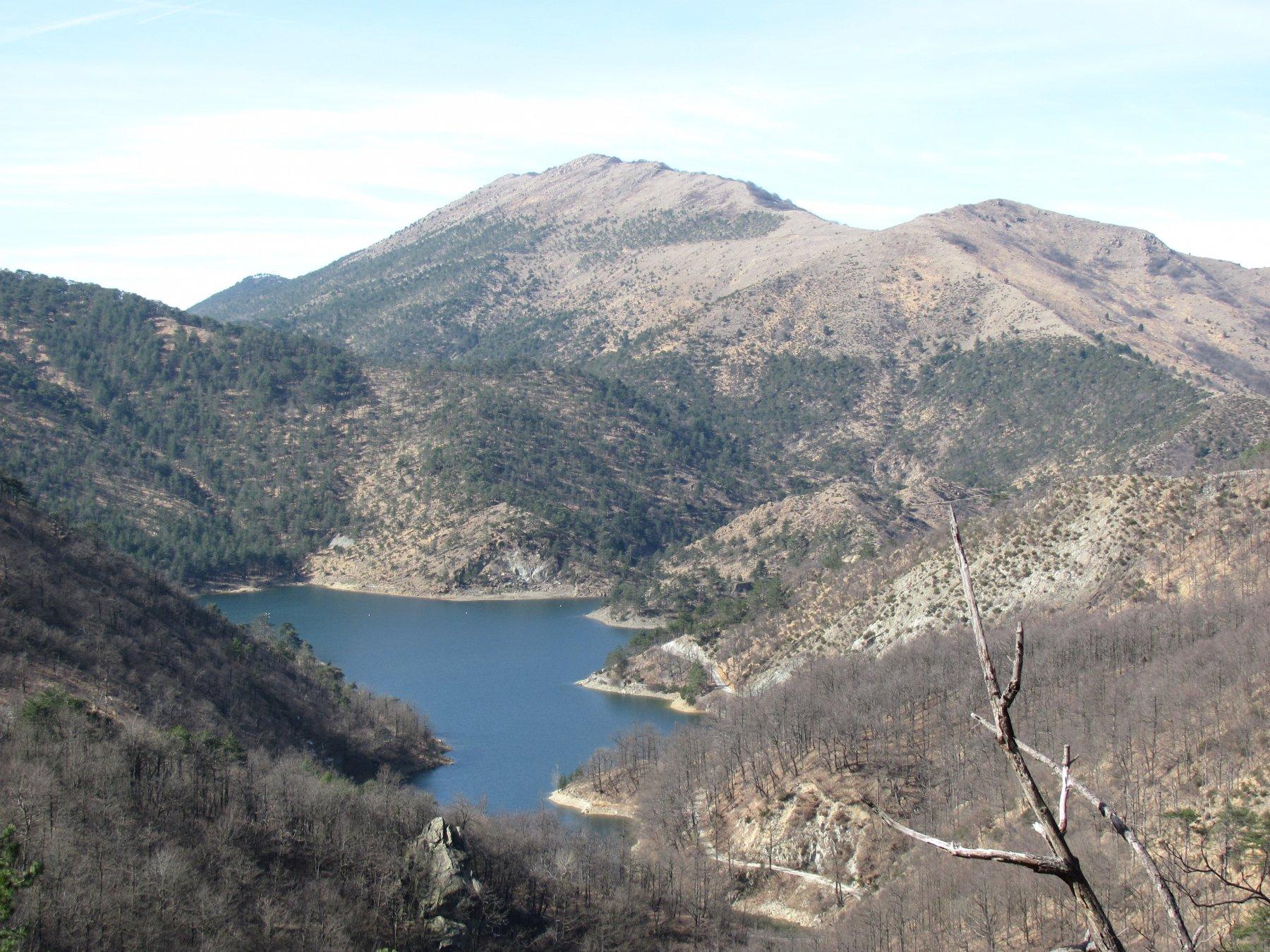 Lago Lungo con Bric degli Alberghi