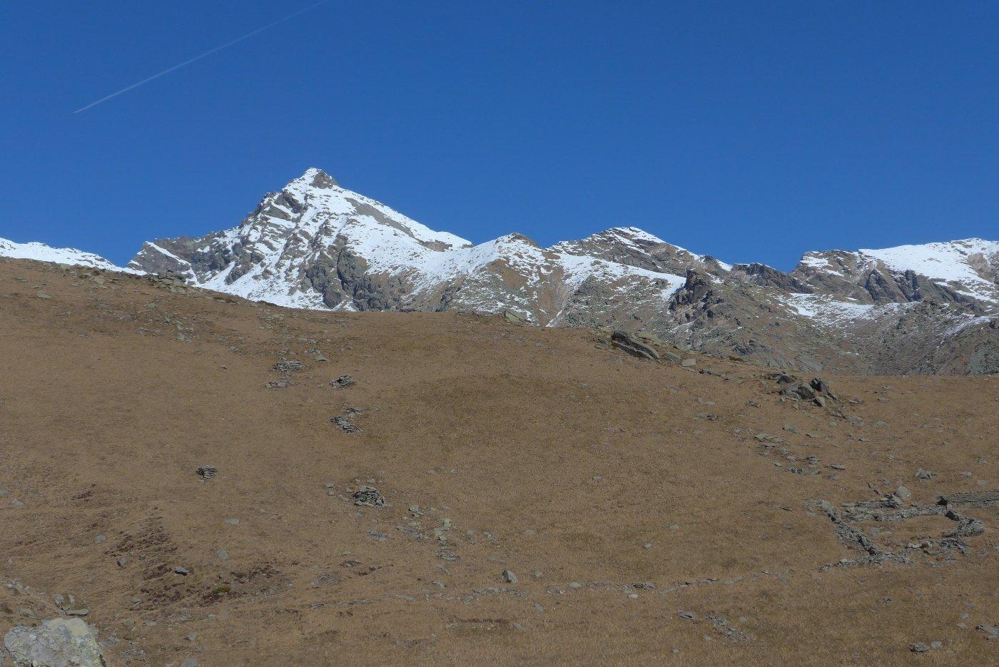 Appare il Monte Colombo