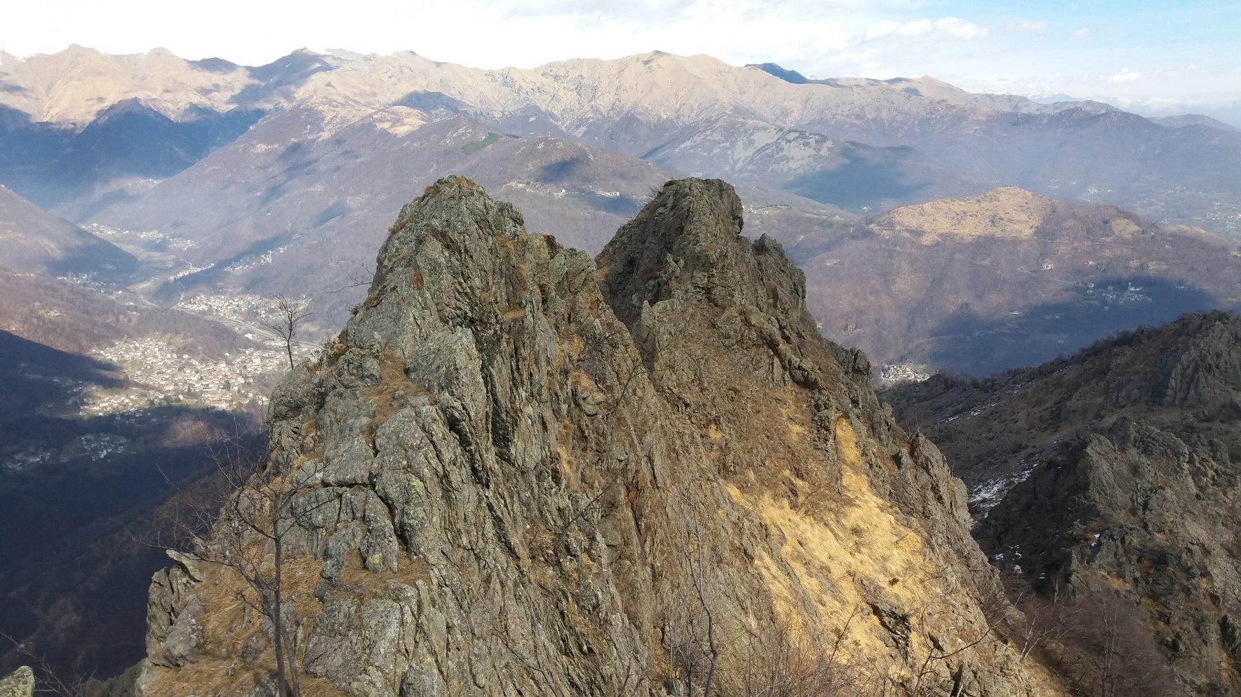 Il castelletto finale, visto dall'anticima piu' a ovest