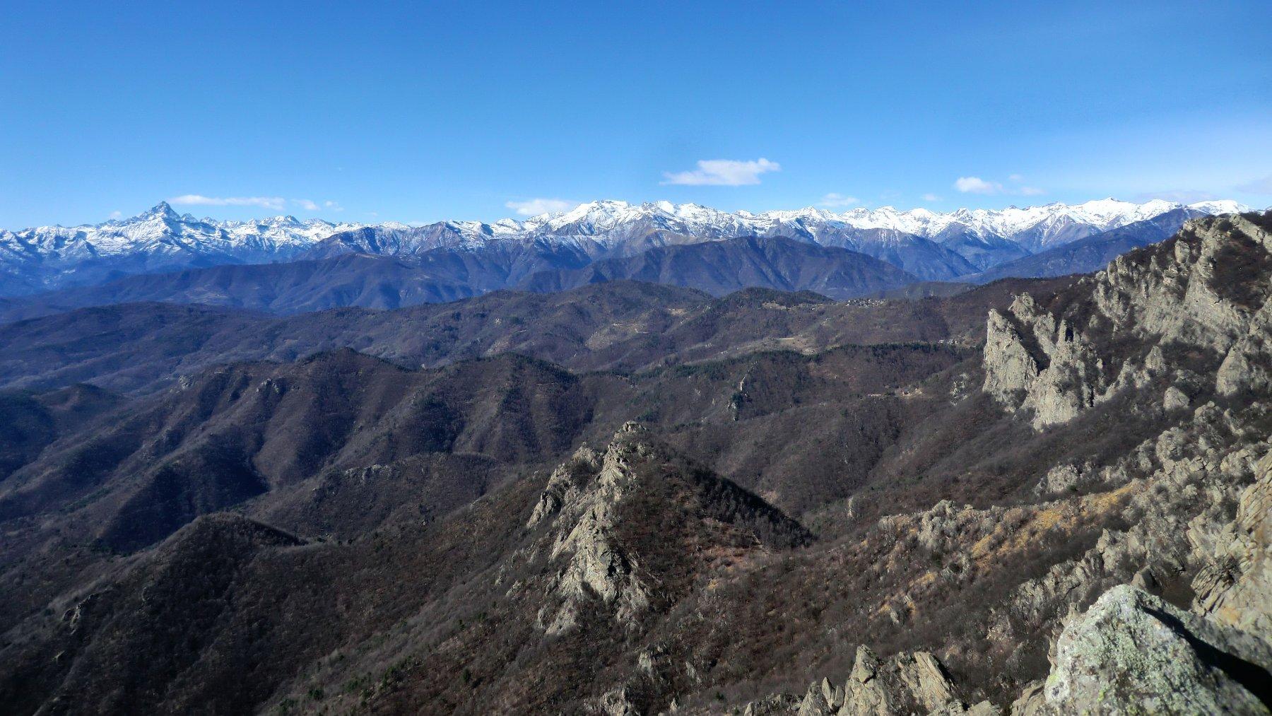 panorama verso sud, Rocca Sbarua e Casa Canada