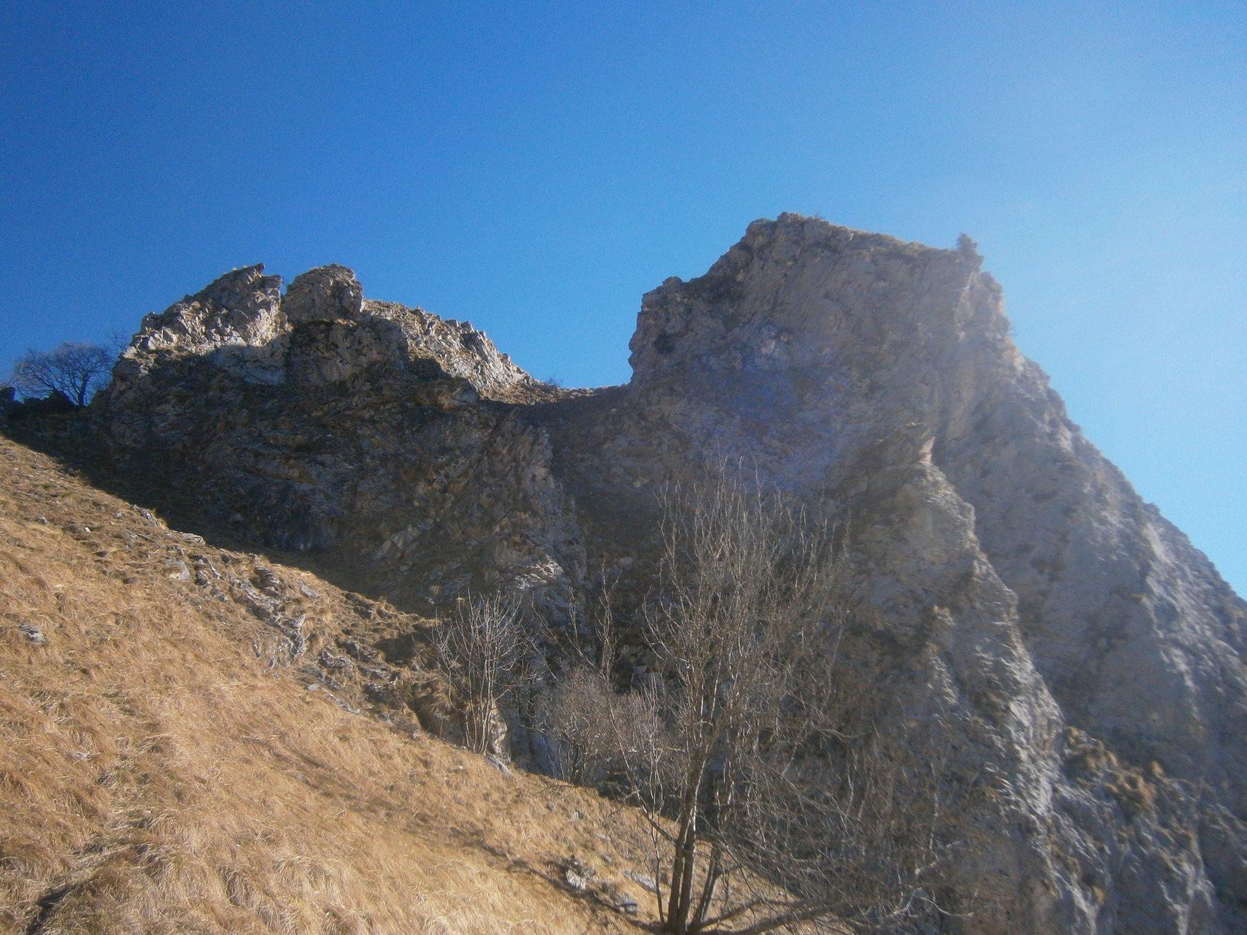 sotto roccia Castello