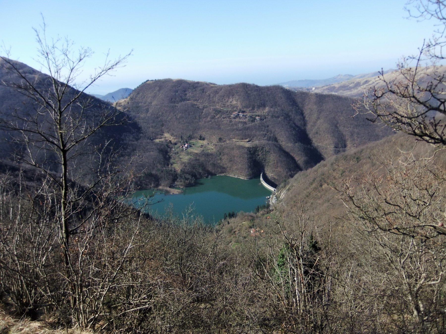 Lago di Valnoci salendo al Bano