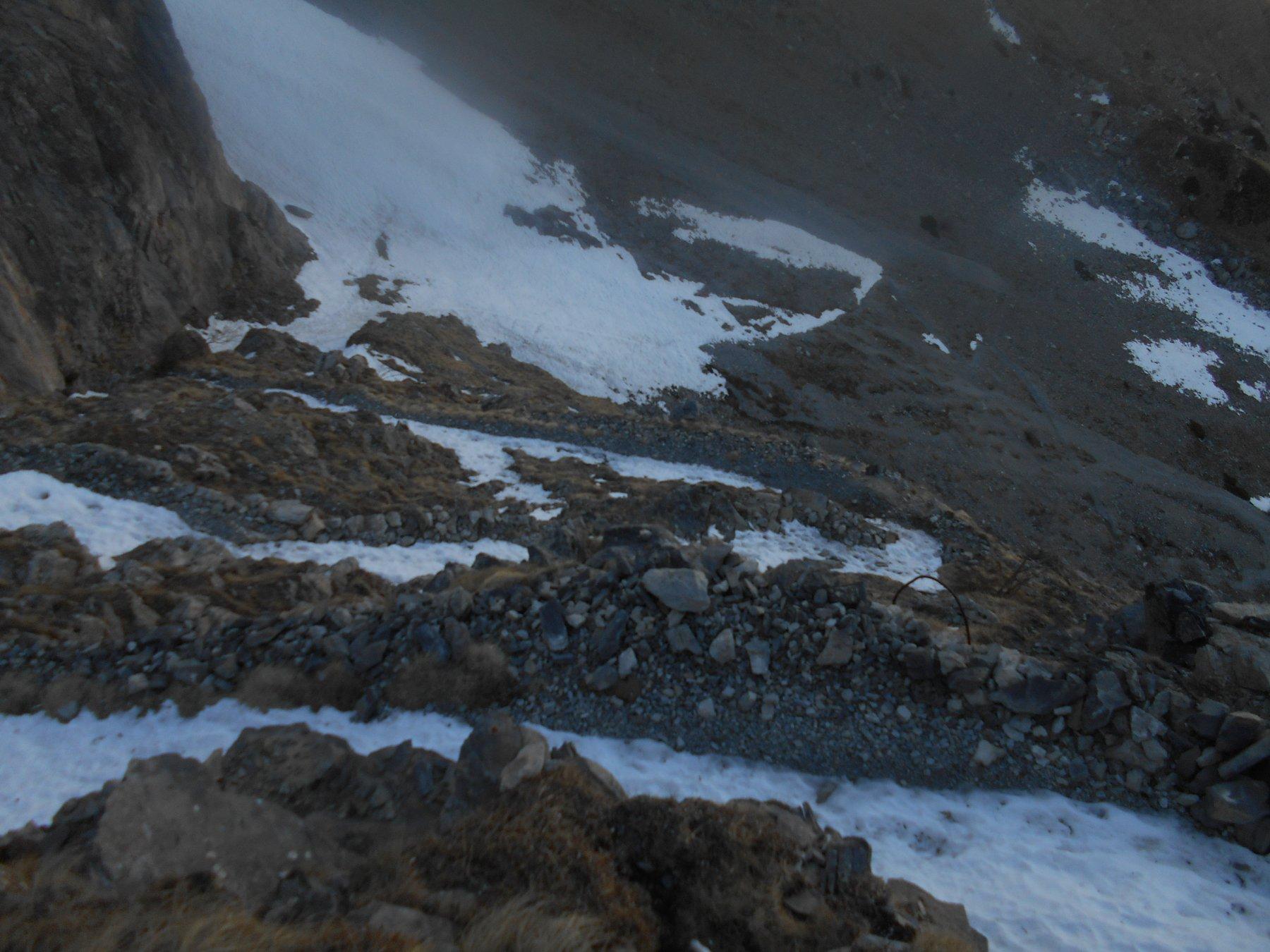 sentiero nel vuoto