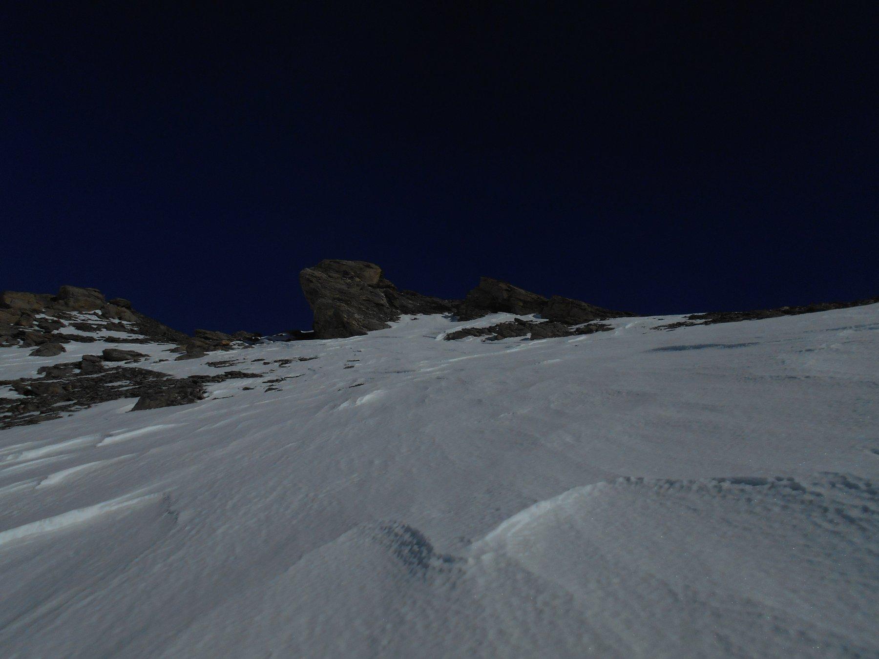 Sotto la cima neve dura dura