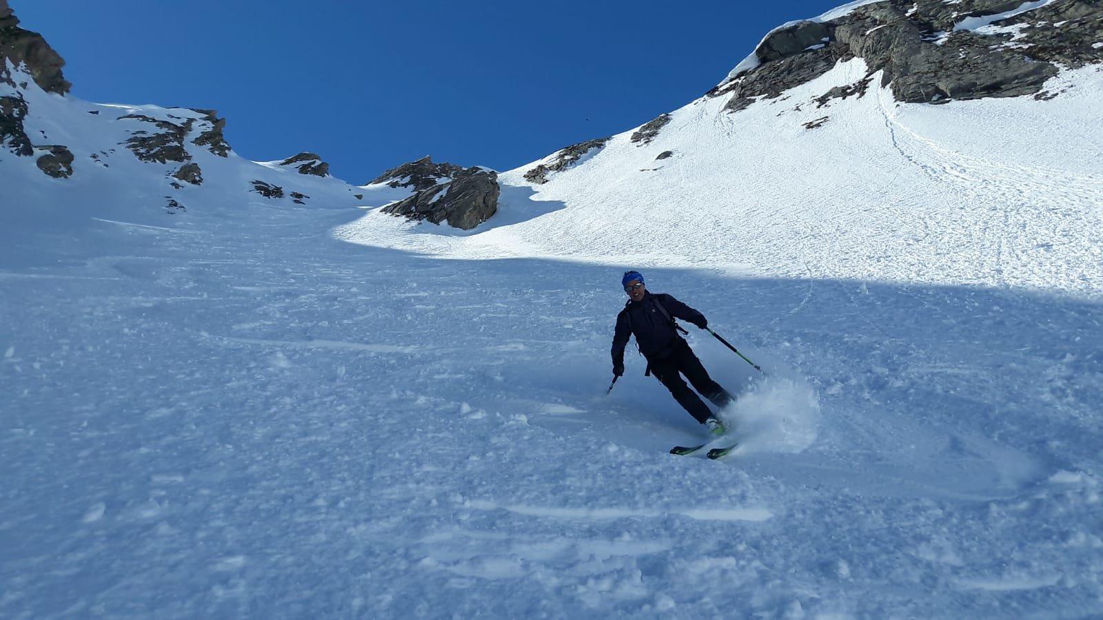 Super sciata nel canale