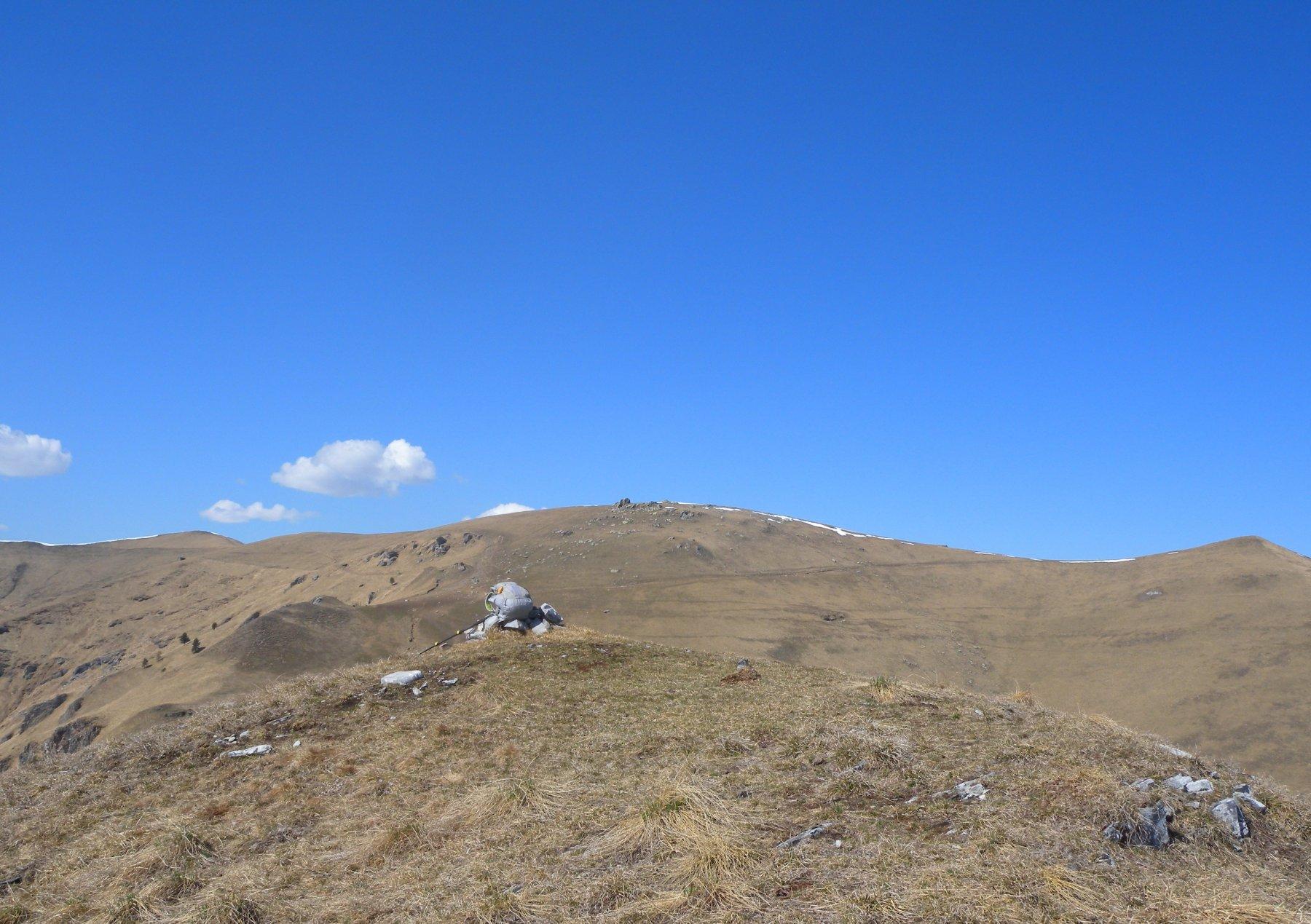 La cresta che unisce le tre cimette dalla Freura