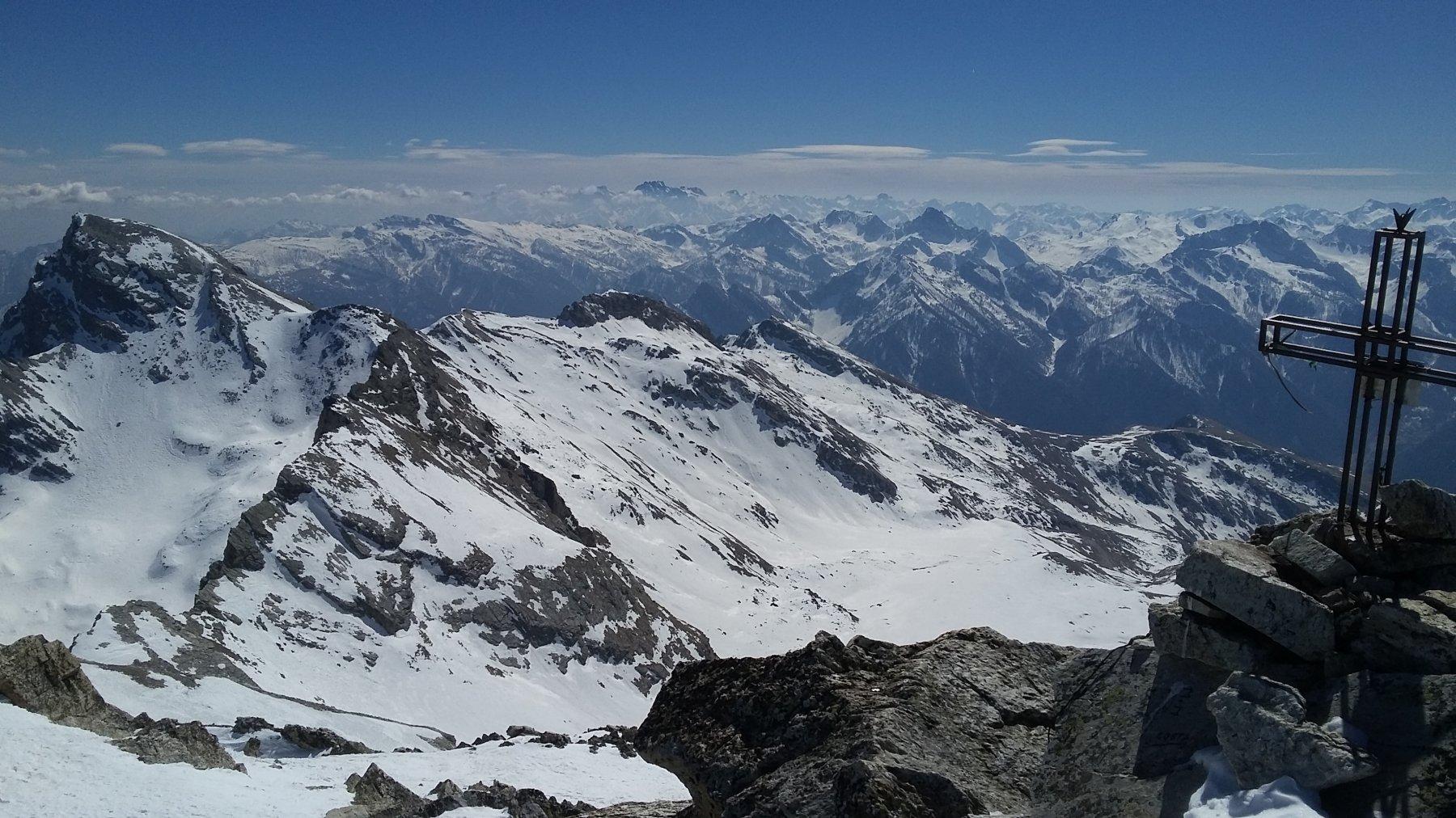 Monte Camoscere dalla vetta