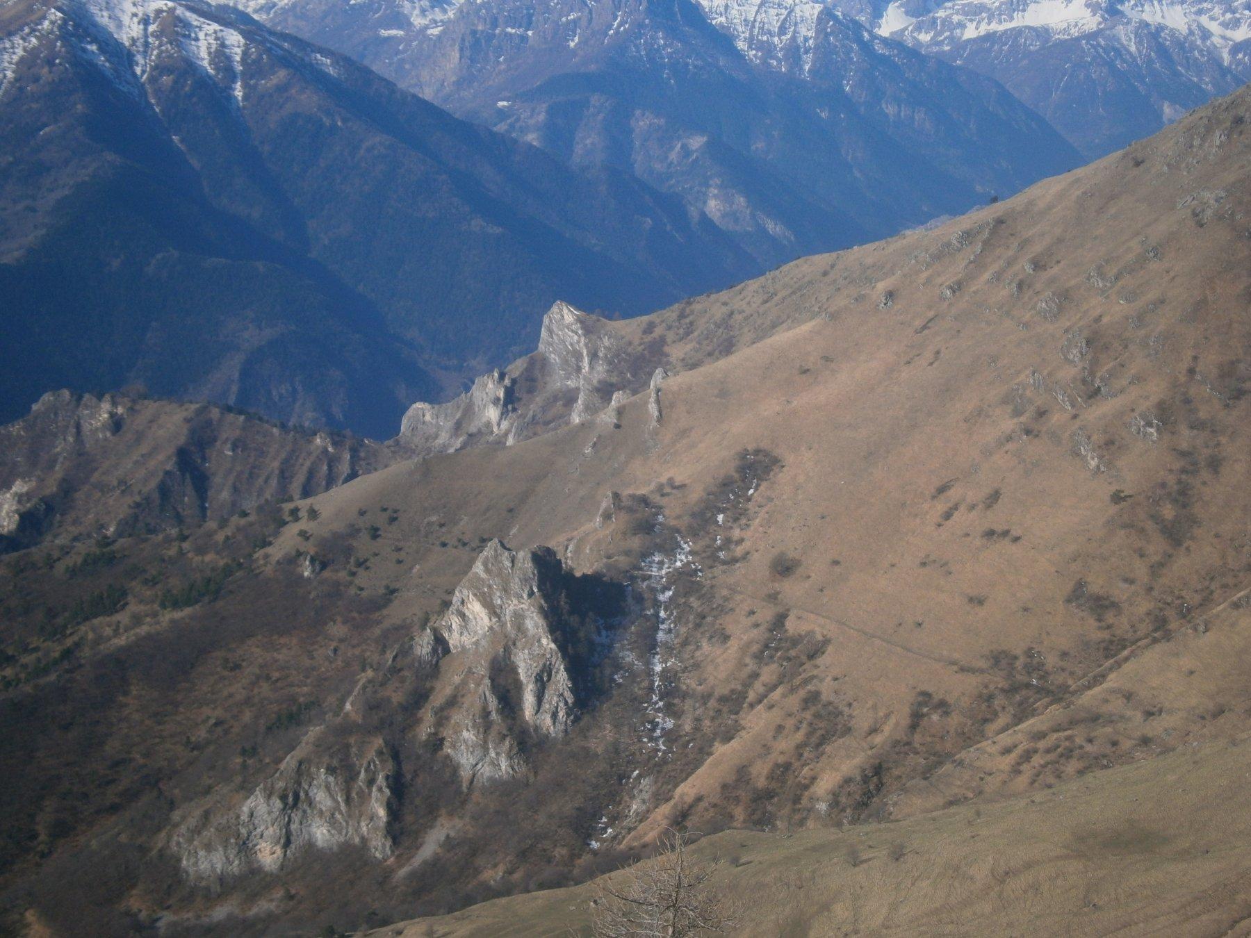 Roccia Castello e il cammino della montagna