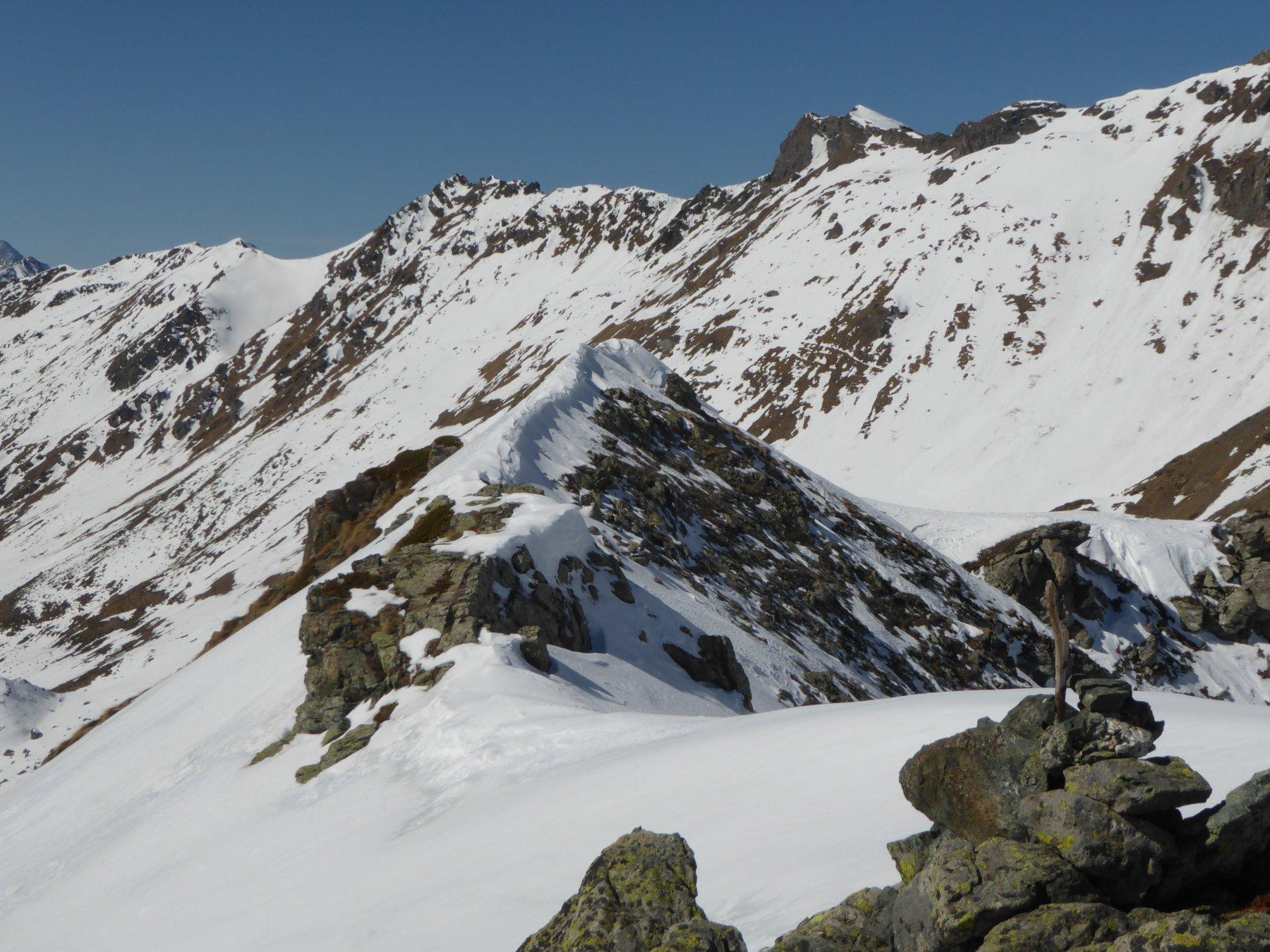 l'affilata cresta finale vista dalla cima