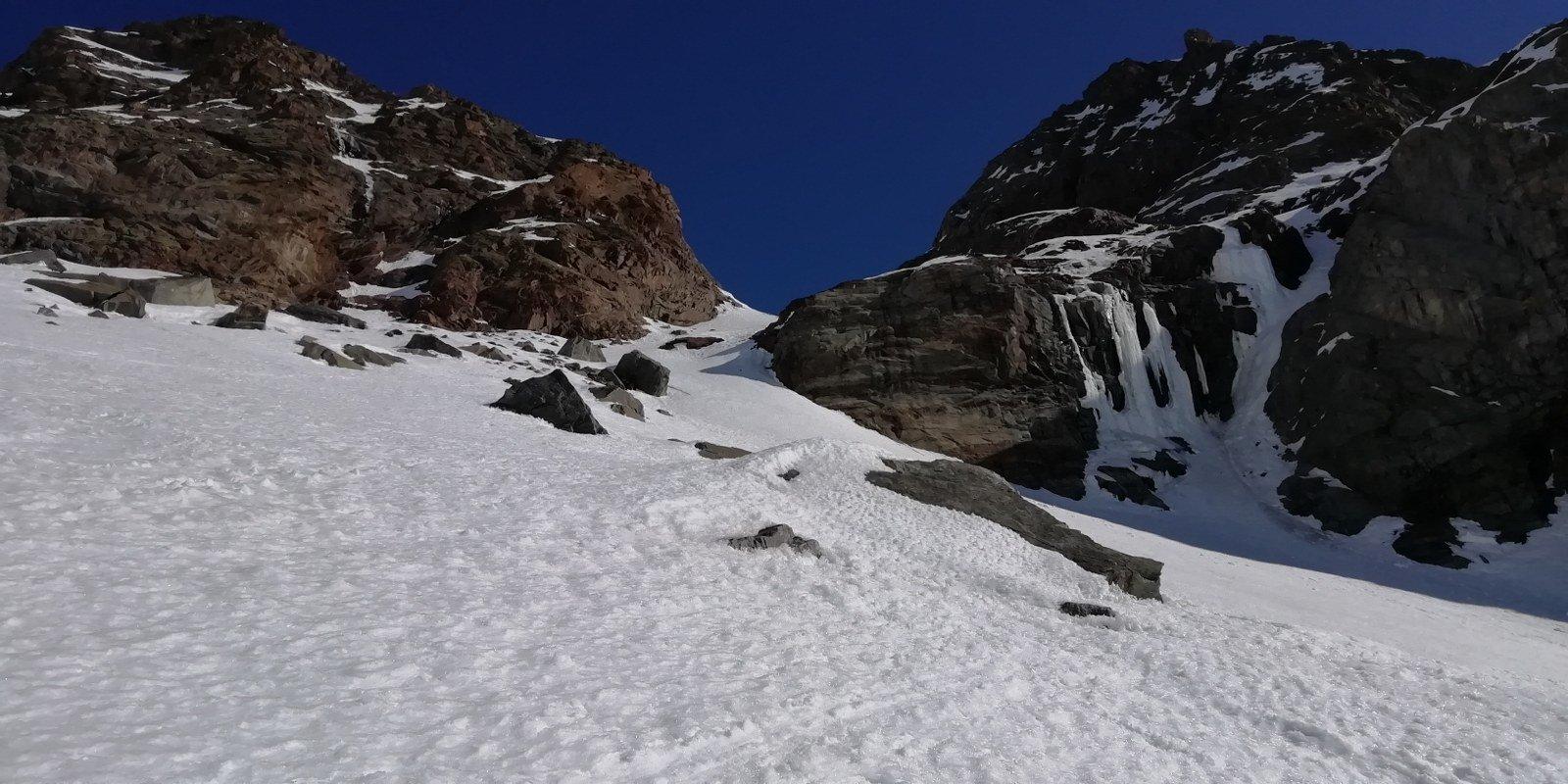 In vista del secondo canale che porta al ghiacciaio del Teleccio