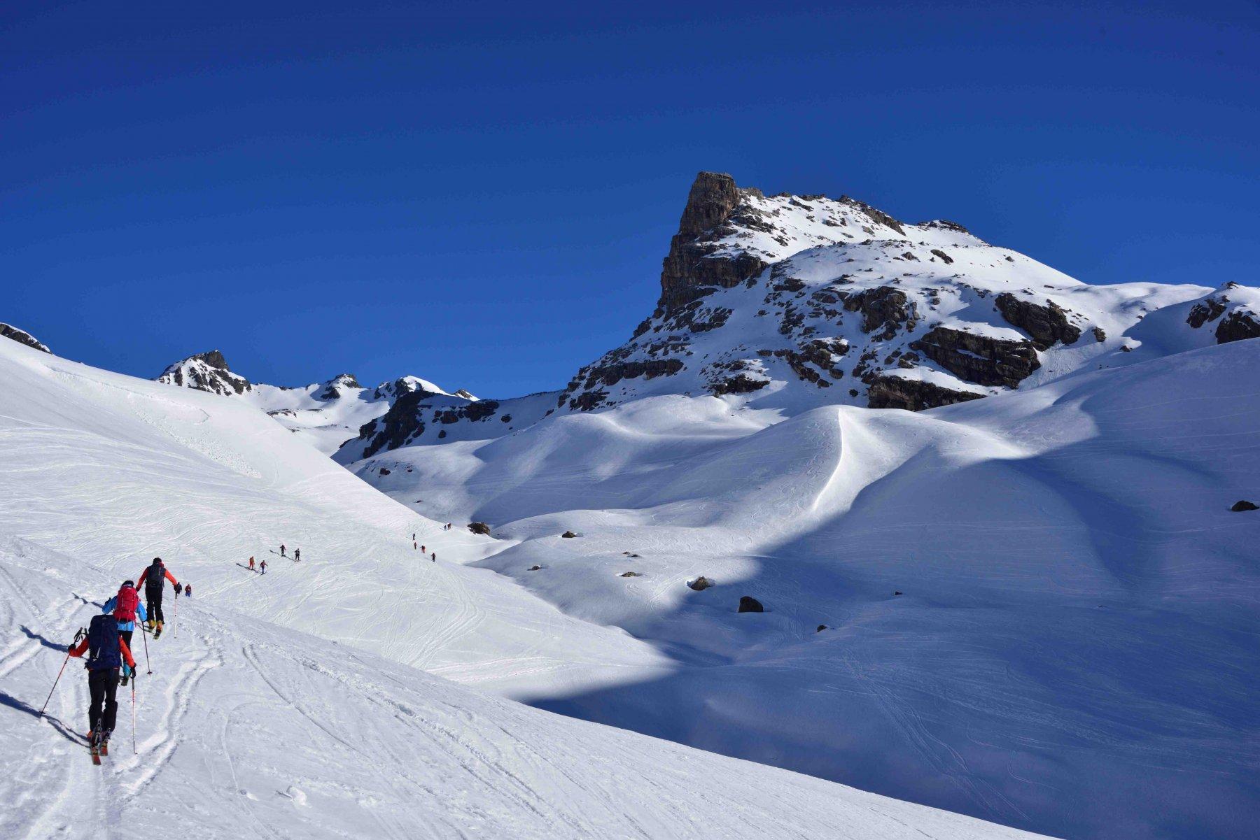 Salendo lungo la Val d'Agnel.