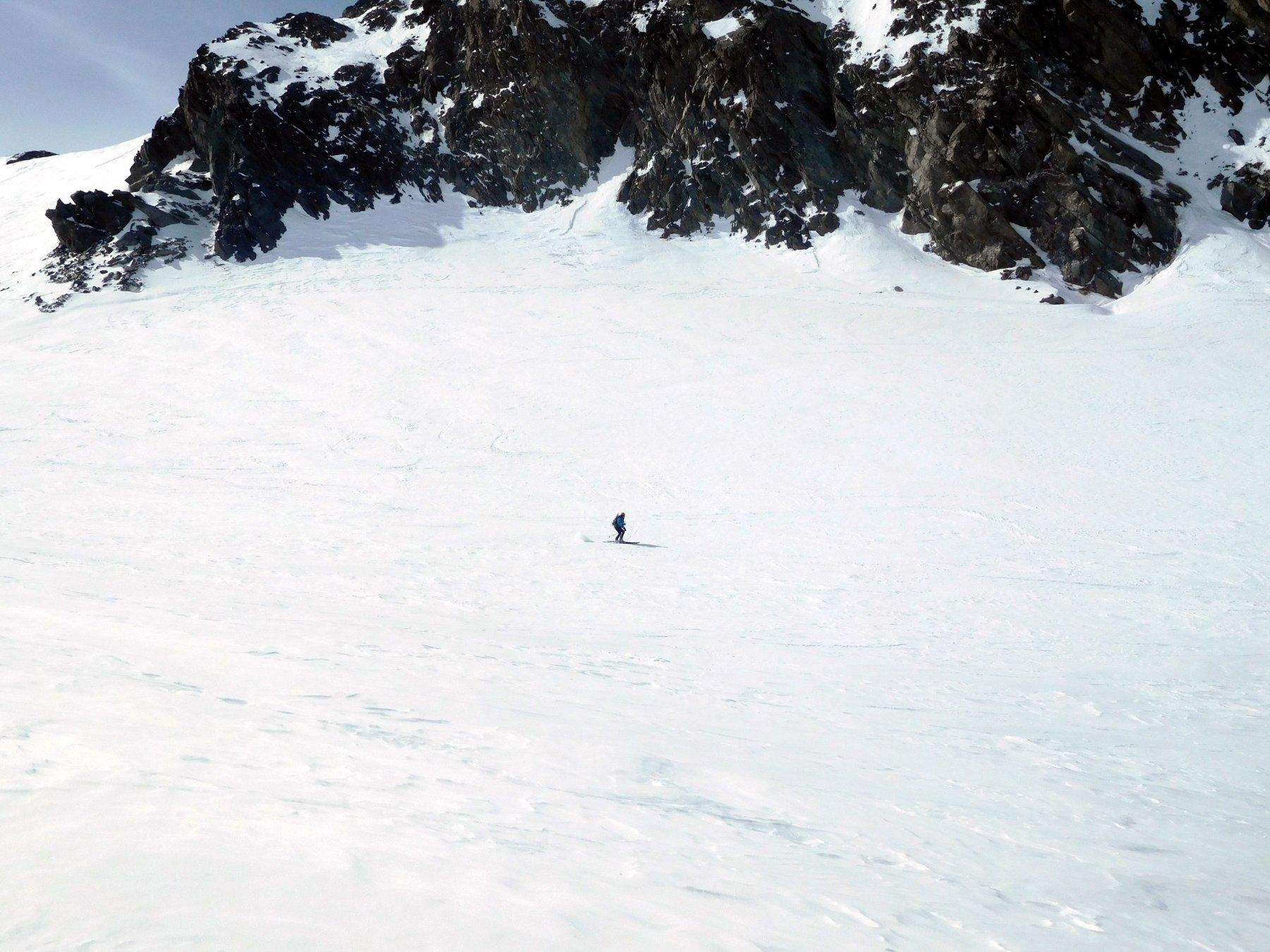 buona neve pressata sul ghiacciaio
