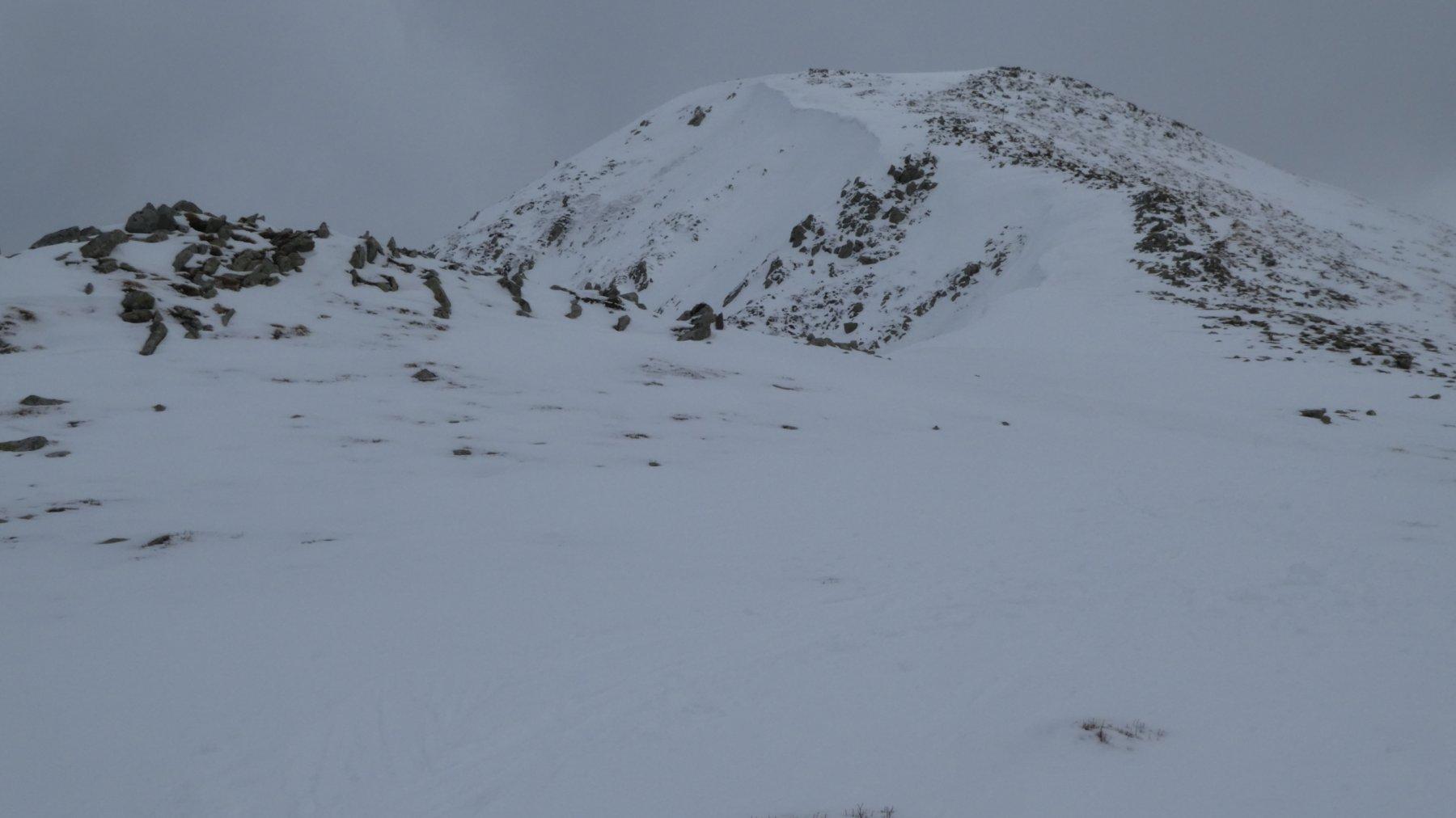 l'anticima del Monte Prado vista dalla Sella del Monte Prado