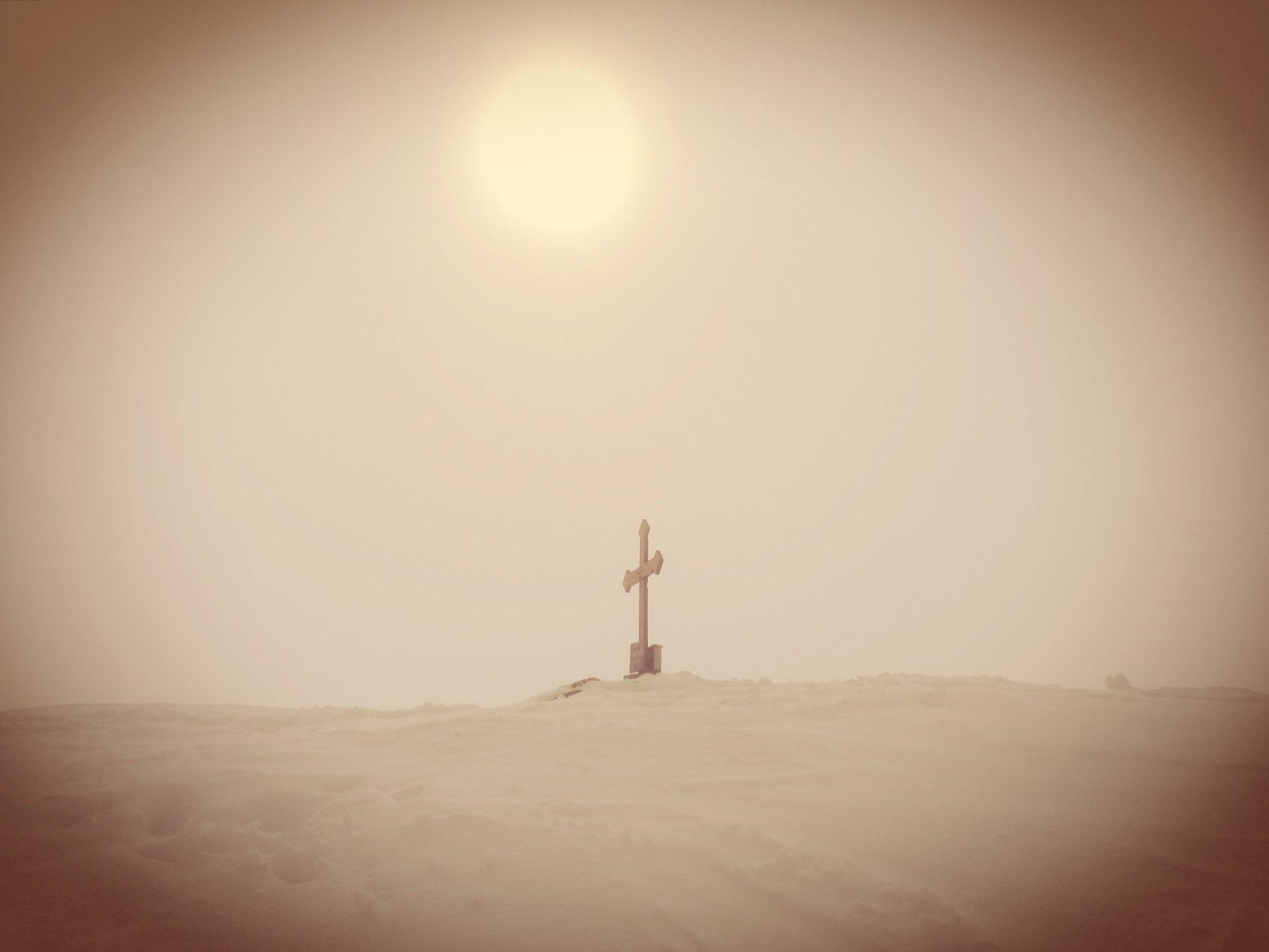 Una visione sotto la croce di vetta