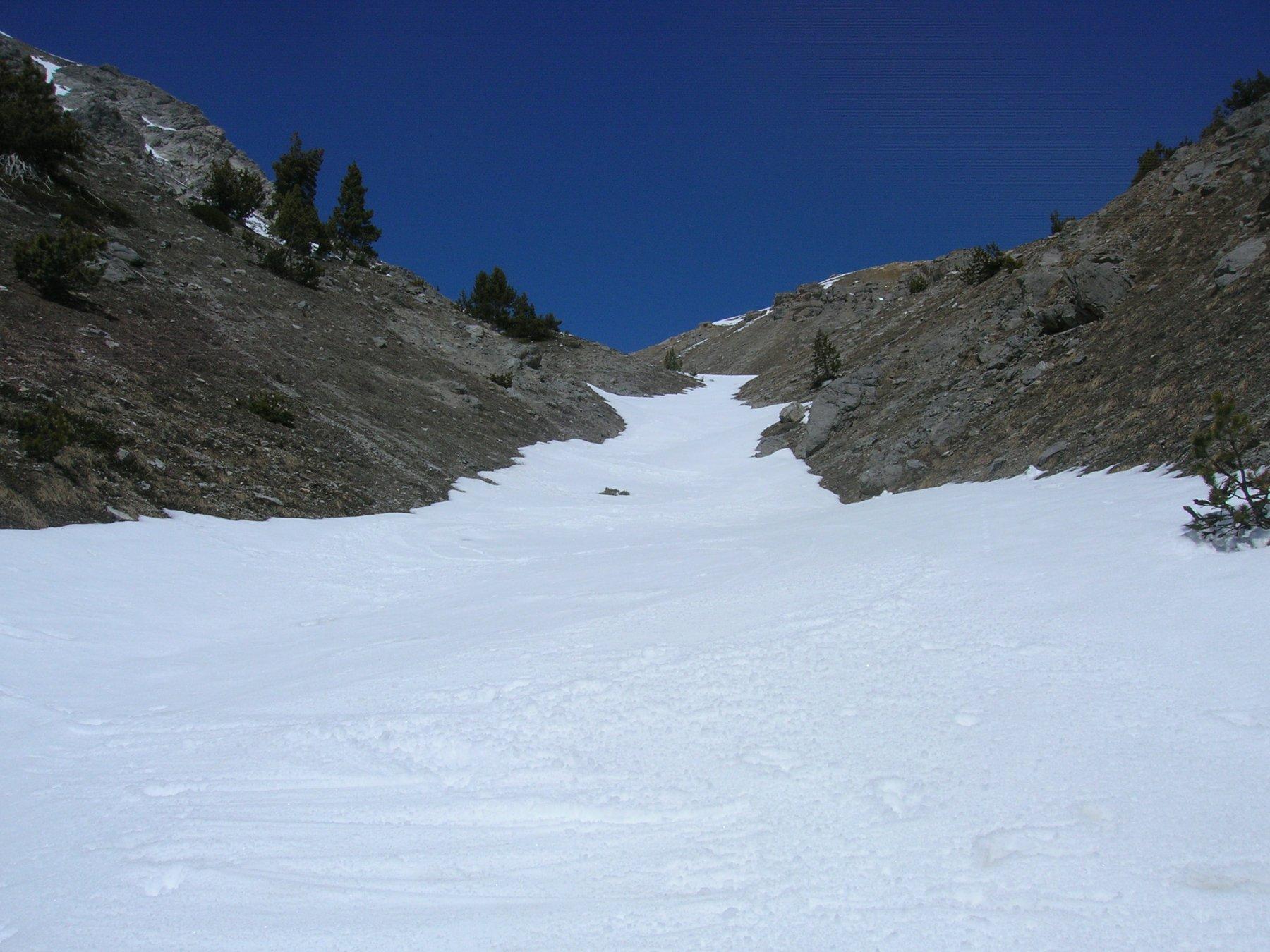 Il canale est dal termine della neve