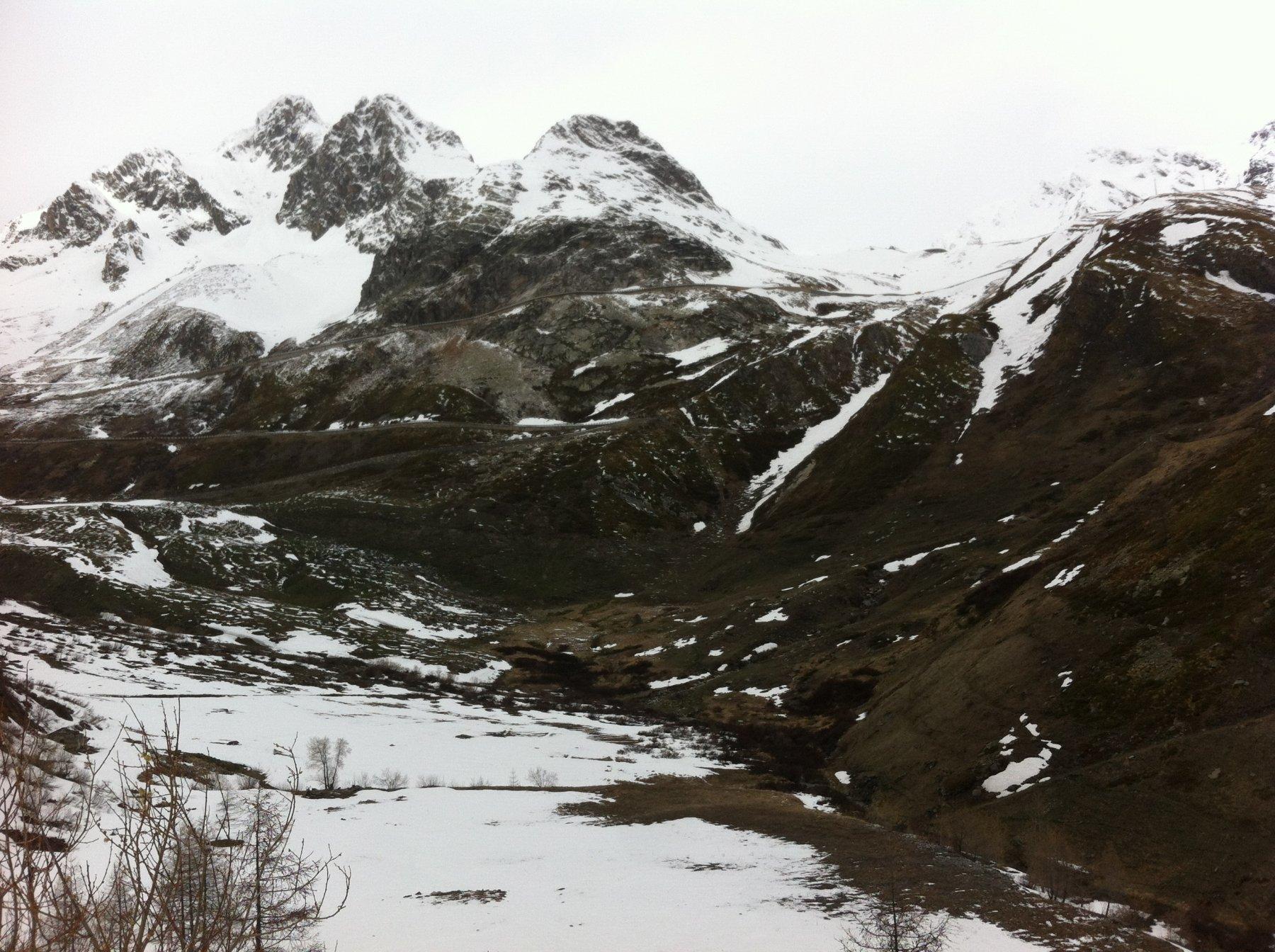 il tratto senza neve dopo il canale