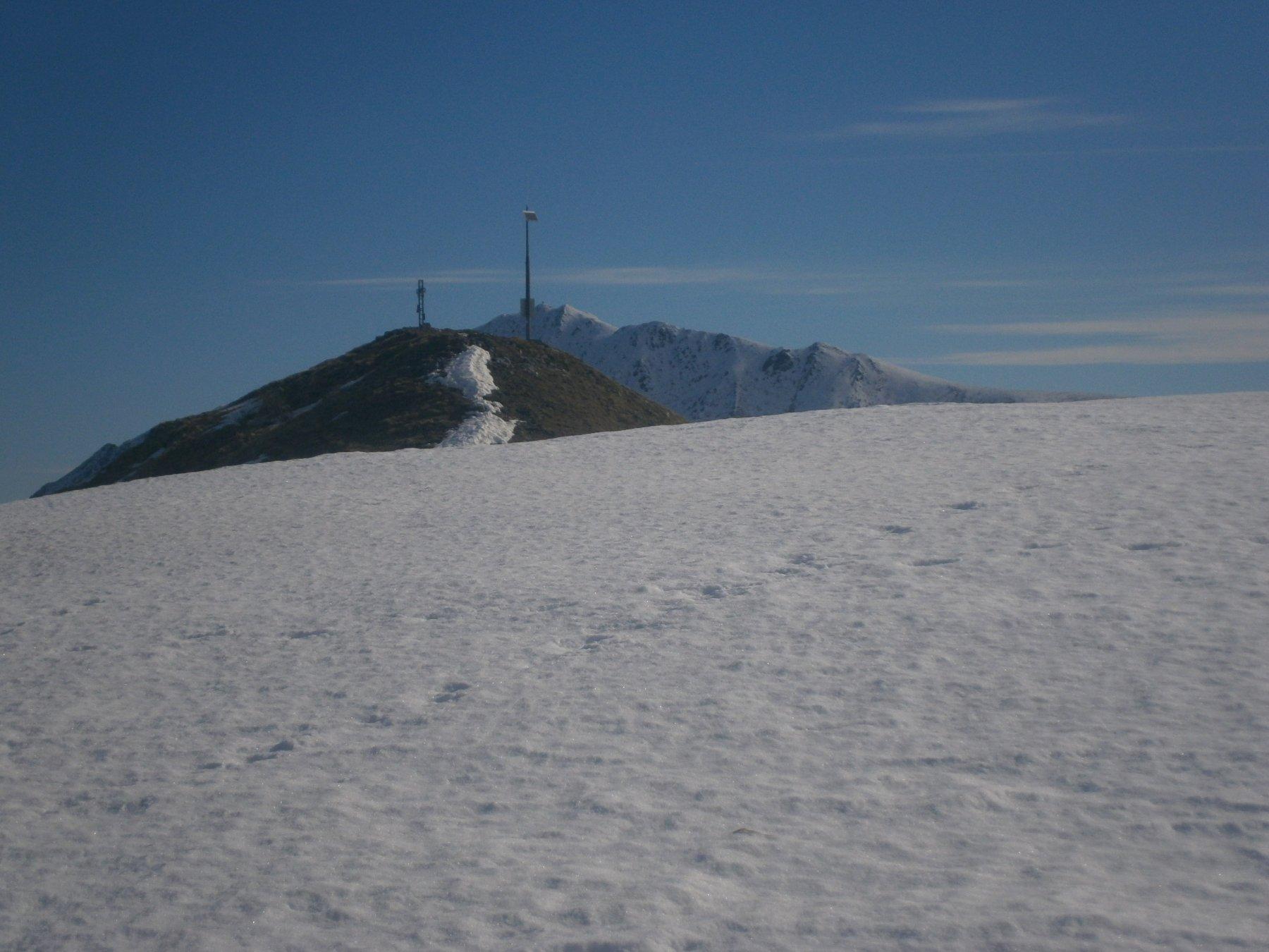 Cima Montevecchio con dietro la Bisalta