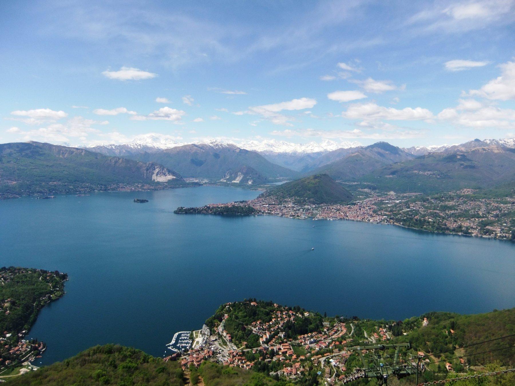 Lago Maggiore da stazione funivia