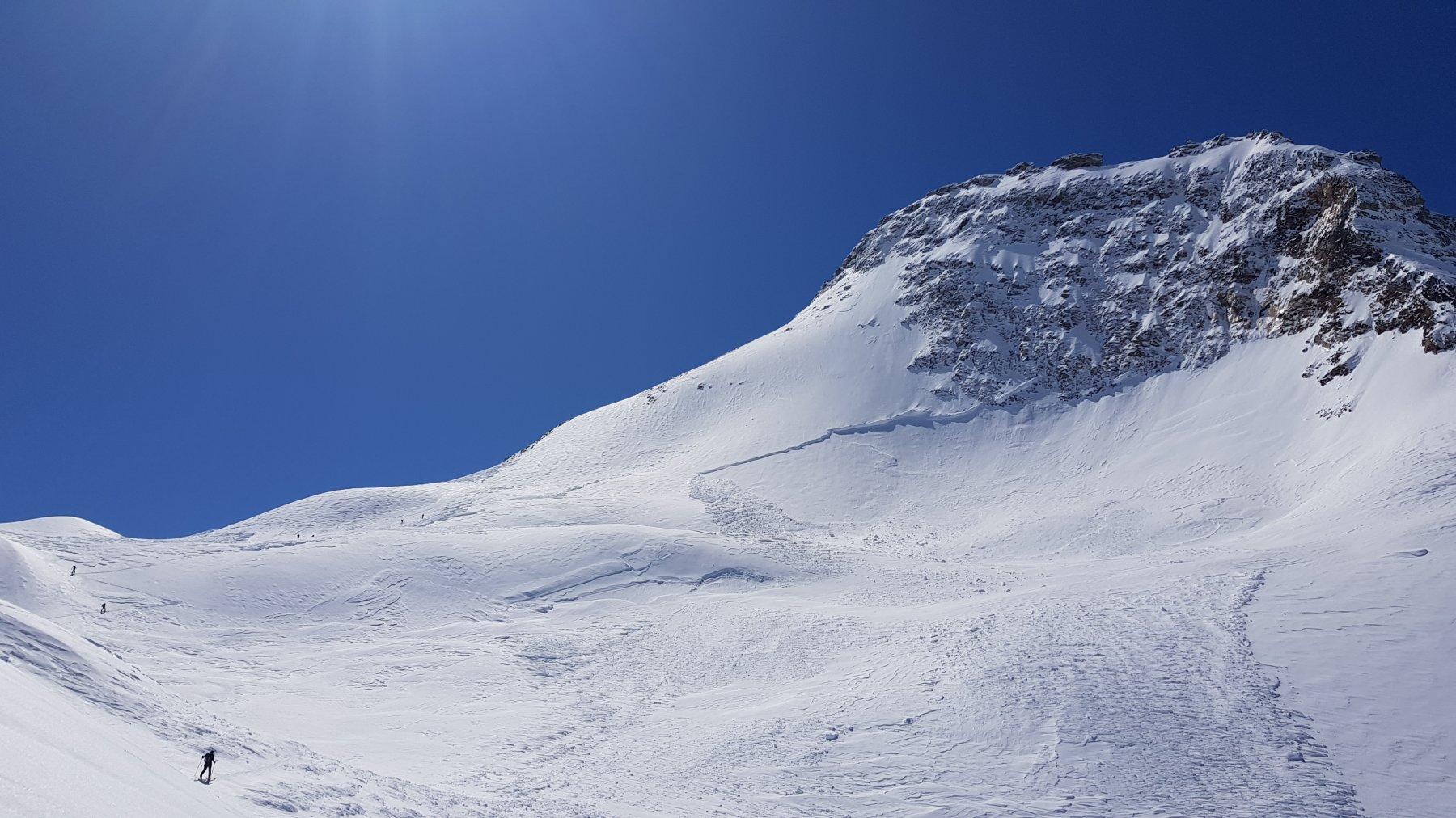 Un altro notevole distacco sotto la cima del Boshorn