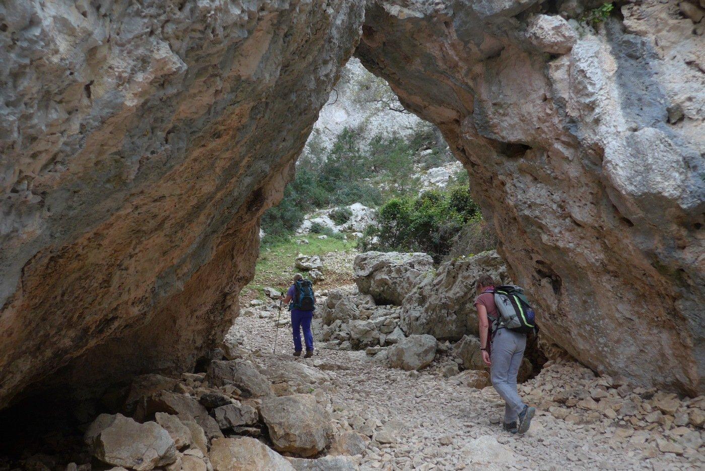 Altro arco risalendo il sentiero principale