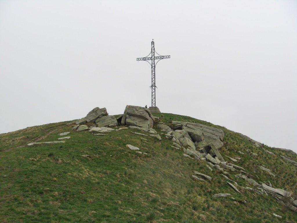 Roccerè (Monte) e Monte San Bernardo da Sant'Anna, anello 2019-05-04
