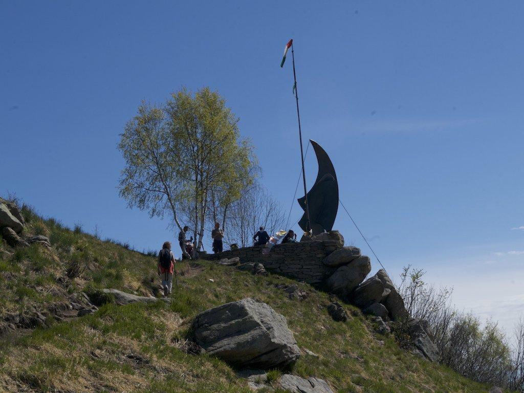 Monte Freidour con monumento