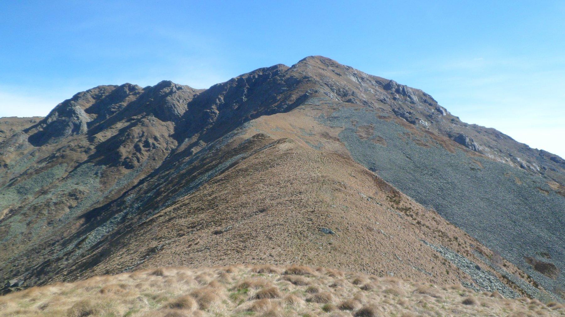 Monte Betogne. La dorsale di salita al monte Gregorio