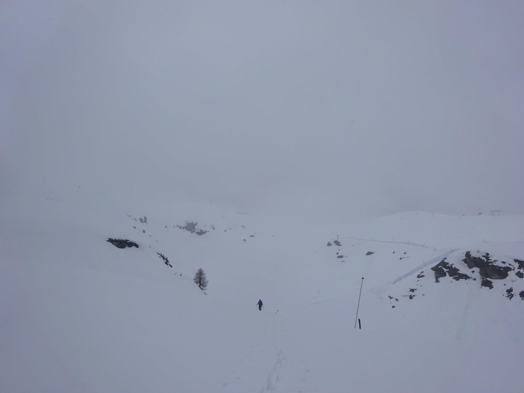 Si comincia a salire sotto una leggera nevicata