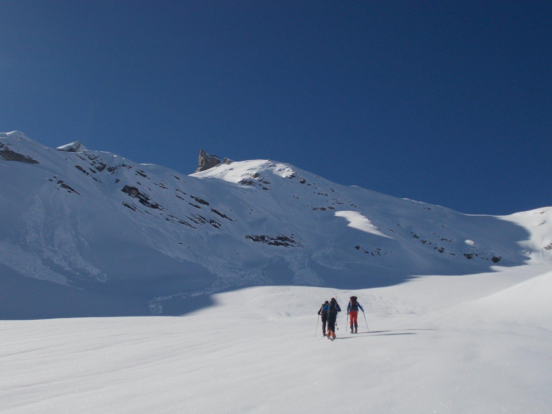 sul ghiacciaio di Giasson con al fondo la meta..