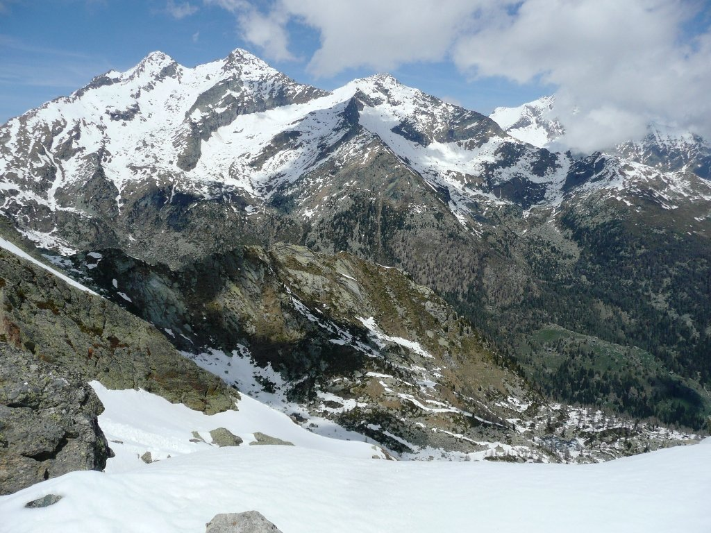 Verso Nord dal Mont de Prial. Bel colpo d''occhio sulle Dame.