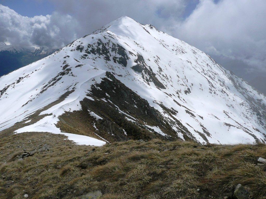 Il colle con la croce dal Mont de Prial. Verso le Lose Bianche.