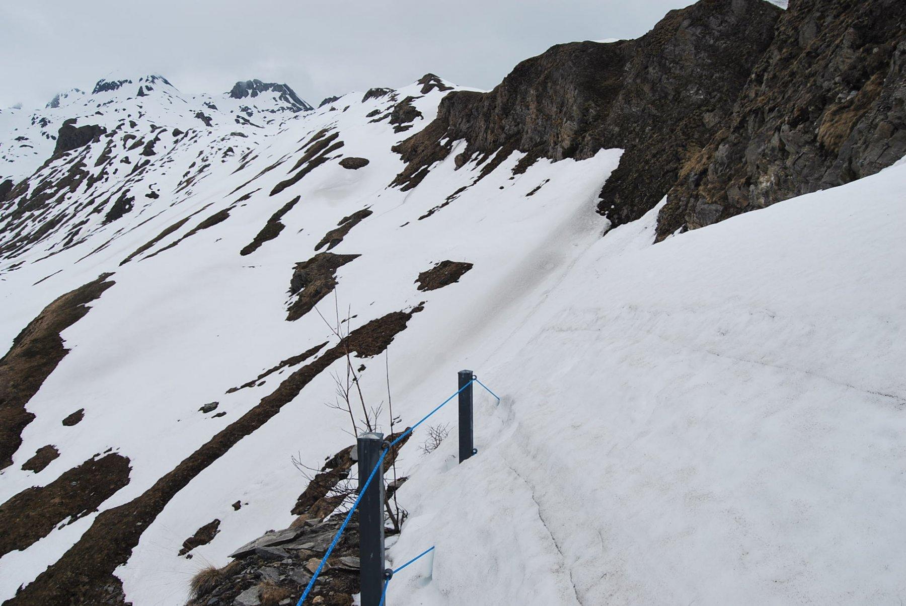 Il punto di ritorno; qui la sterrata è ancora sepolta dalla neve