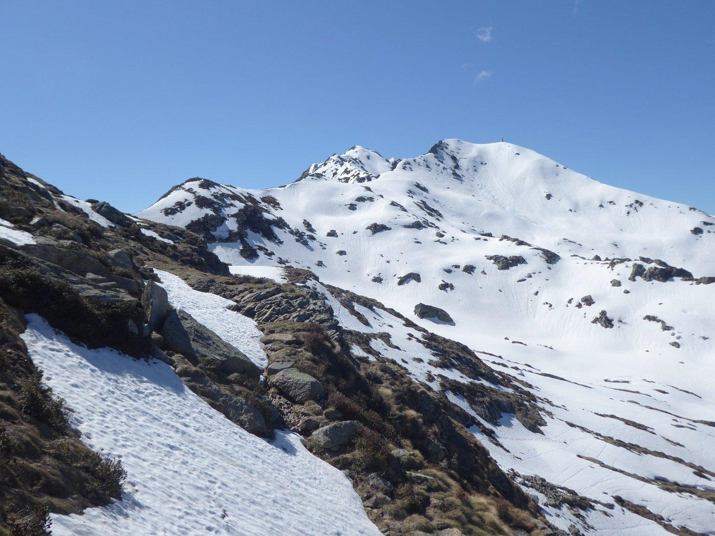 Da poco prima del Colle della Lace la cresta che sale a P.ta Te Vescovi.