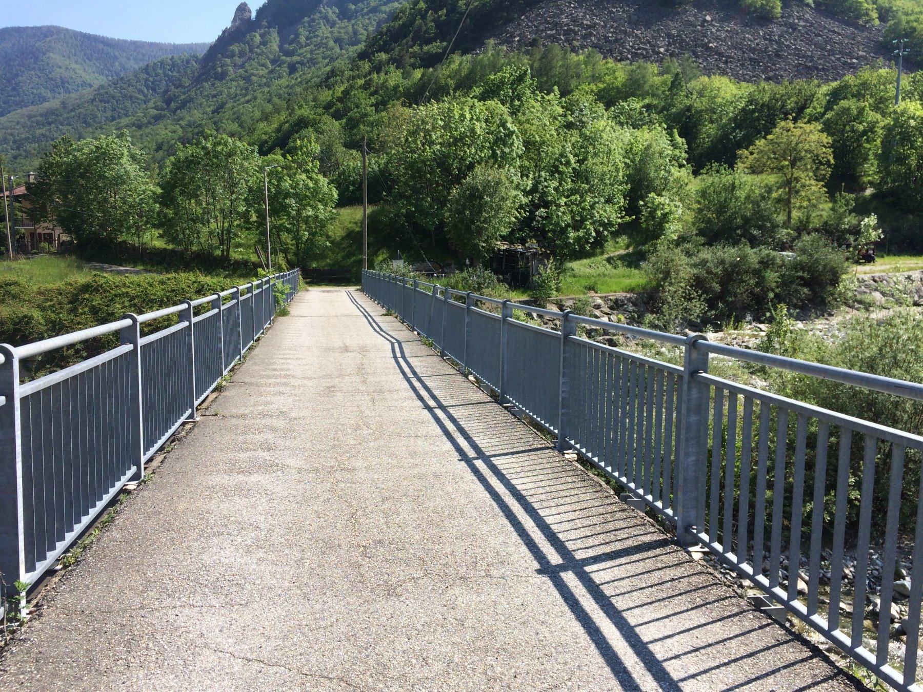 Il ponte successivo, di poco più largo