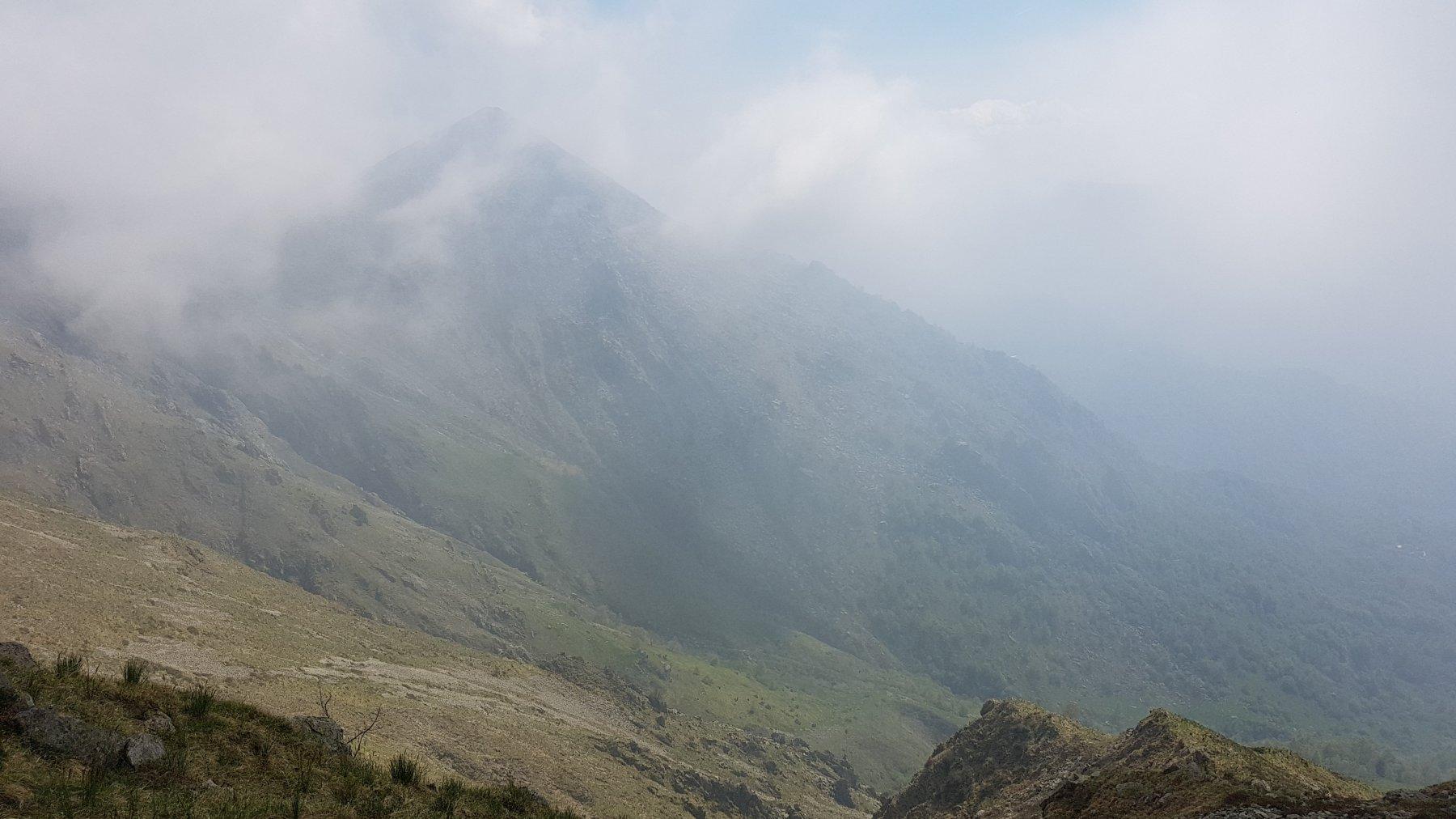 Monte Rognoso avvolto dalle nuvole