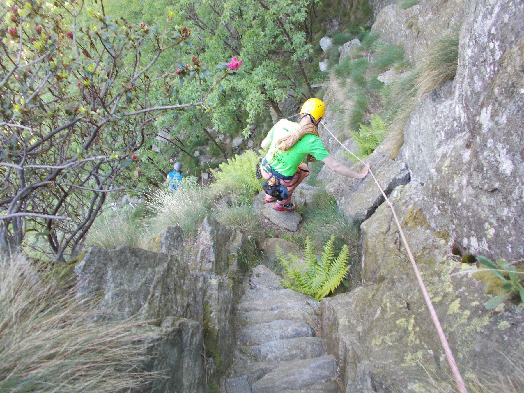 scendendo nel canyon..con le dovute attenzioni..