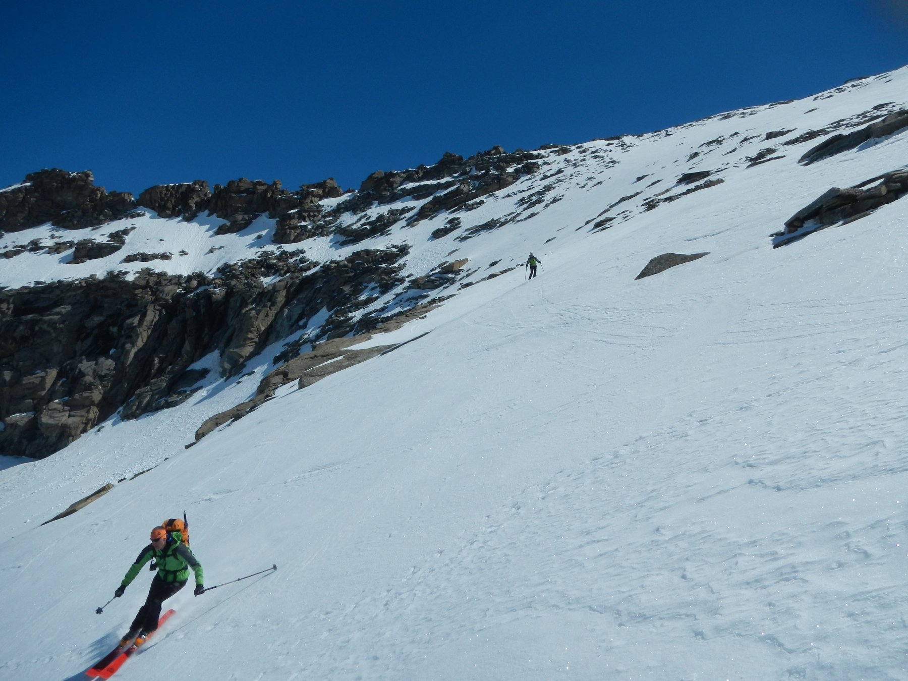 discesa verso il Col des Pariotes 3034 m.