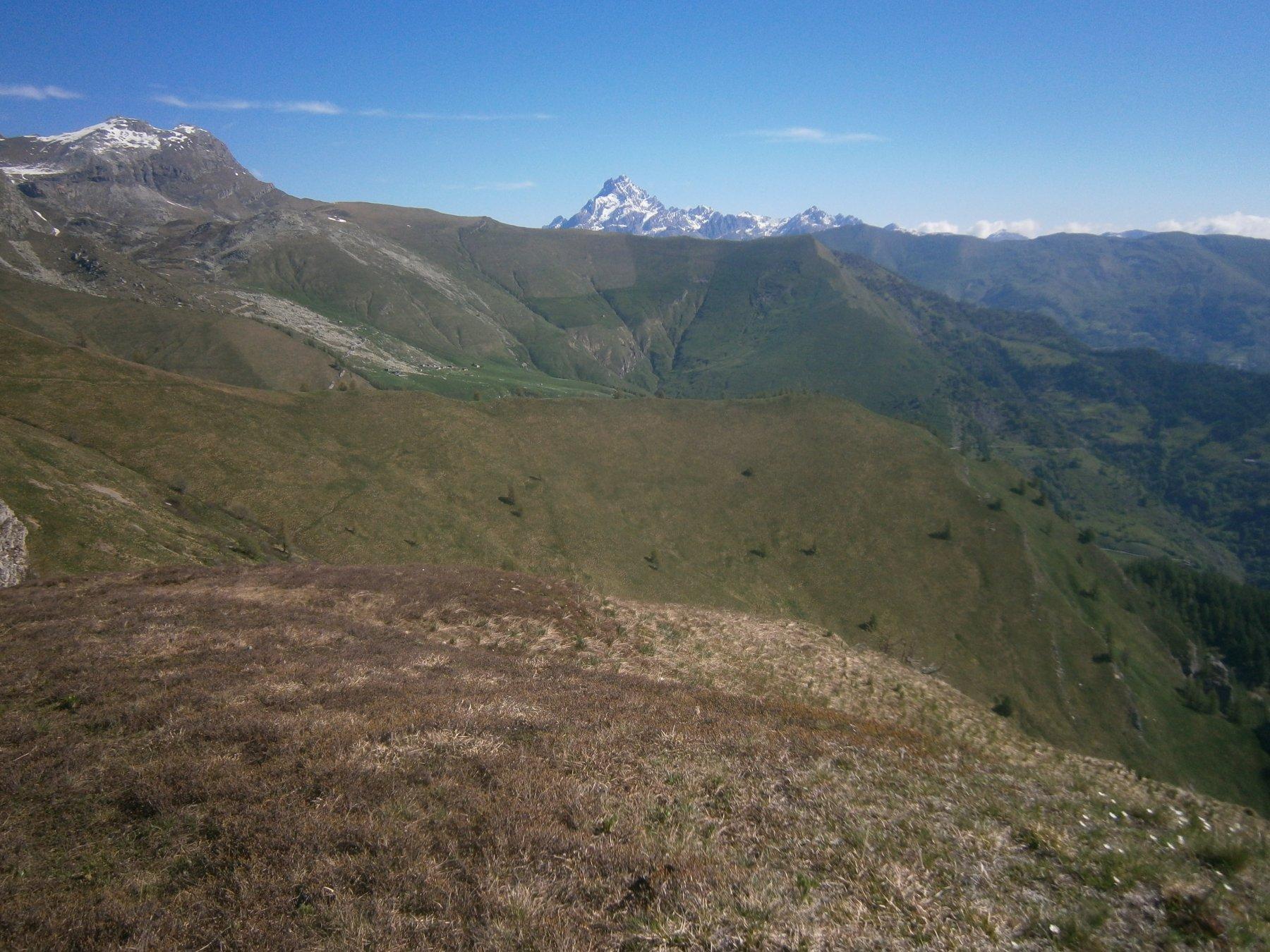 A scendere: Viso, Ciarmetta e Barsi da rocca Narbena
