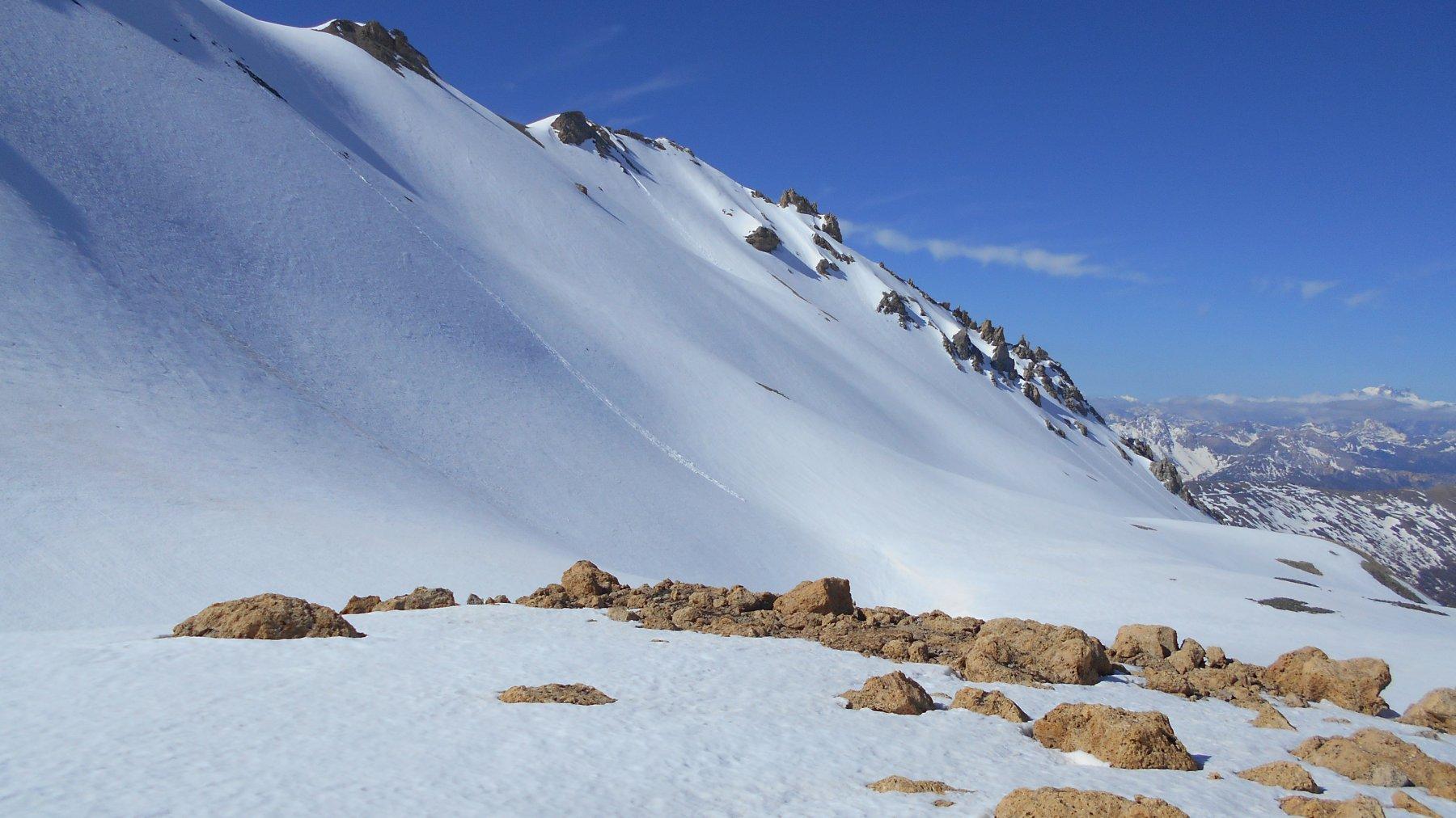 il versante nord del Vallonetto visto dopo aver raggiunto il fondo della Valfredda