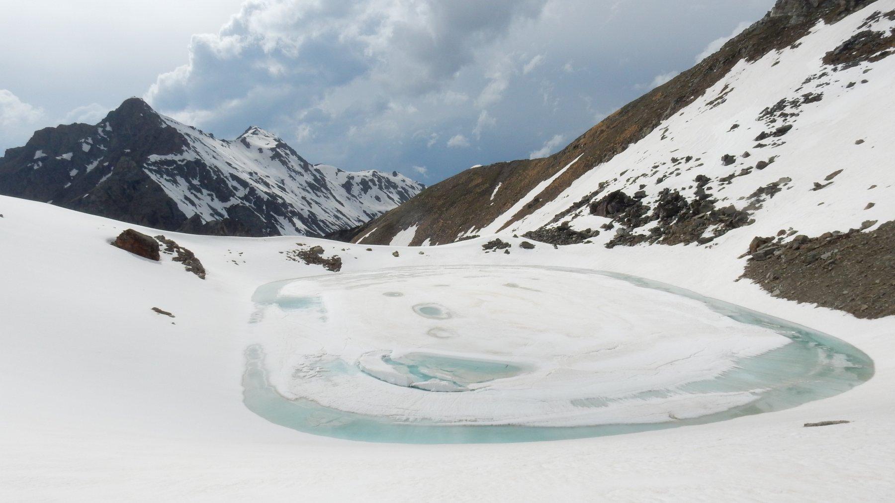 Lago Garin.