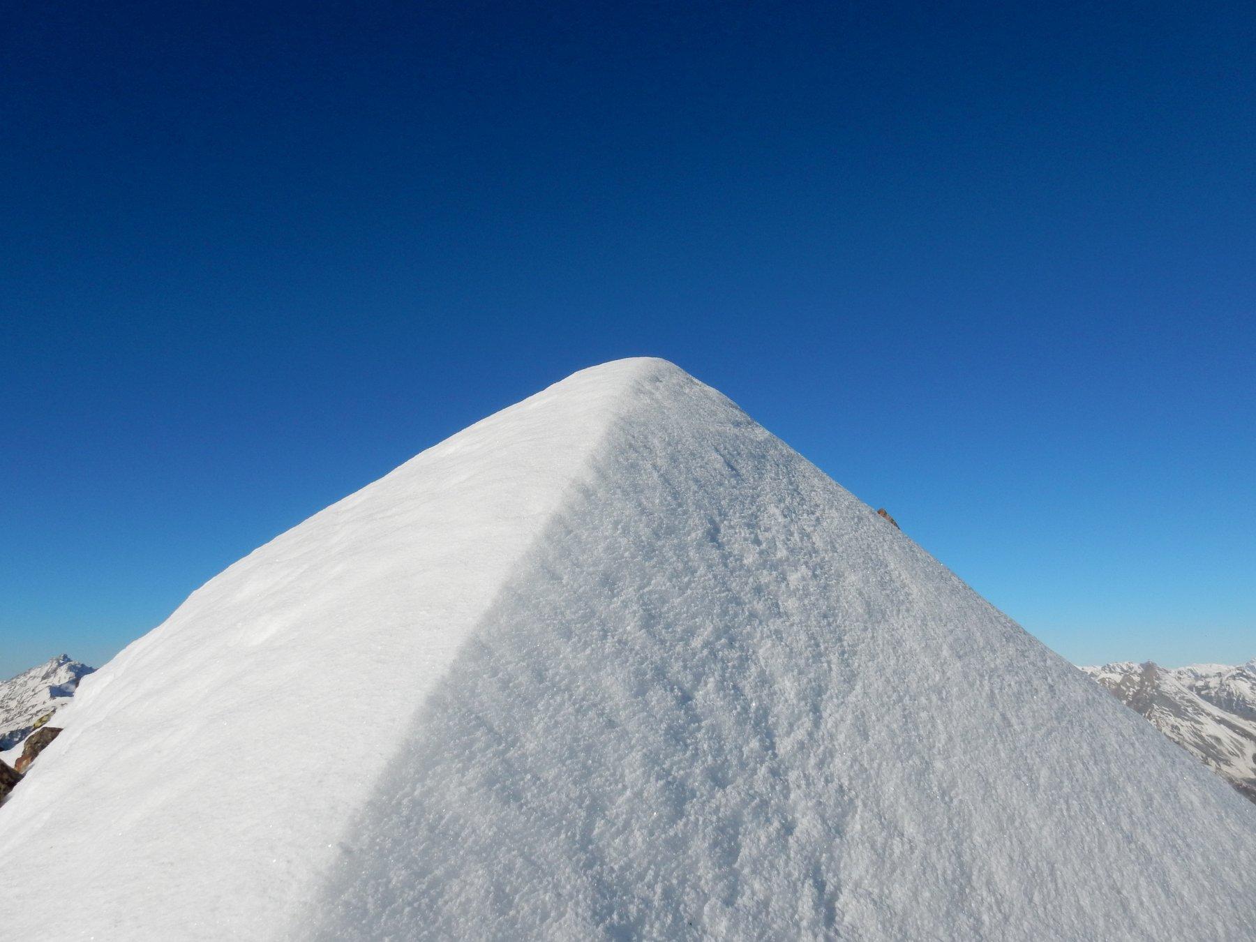 Arrivo sulla punta nevosa di P.ta Garin.