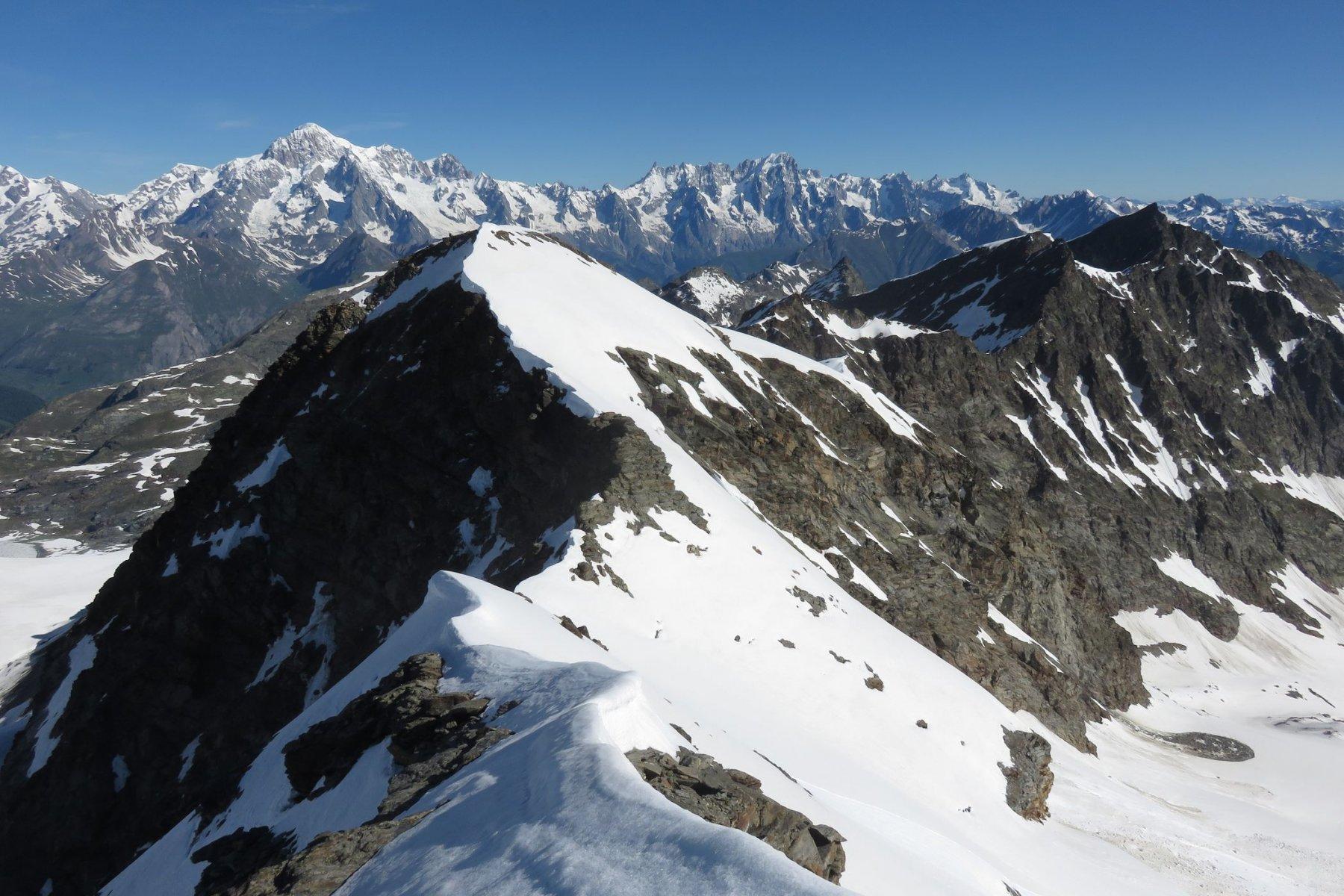 la seconda parte della cresta dalla quota 3337 al Flambeau