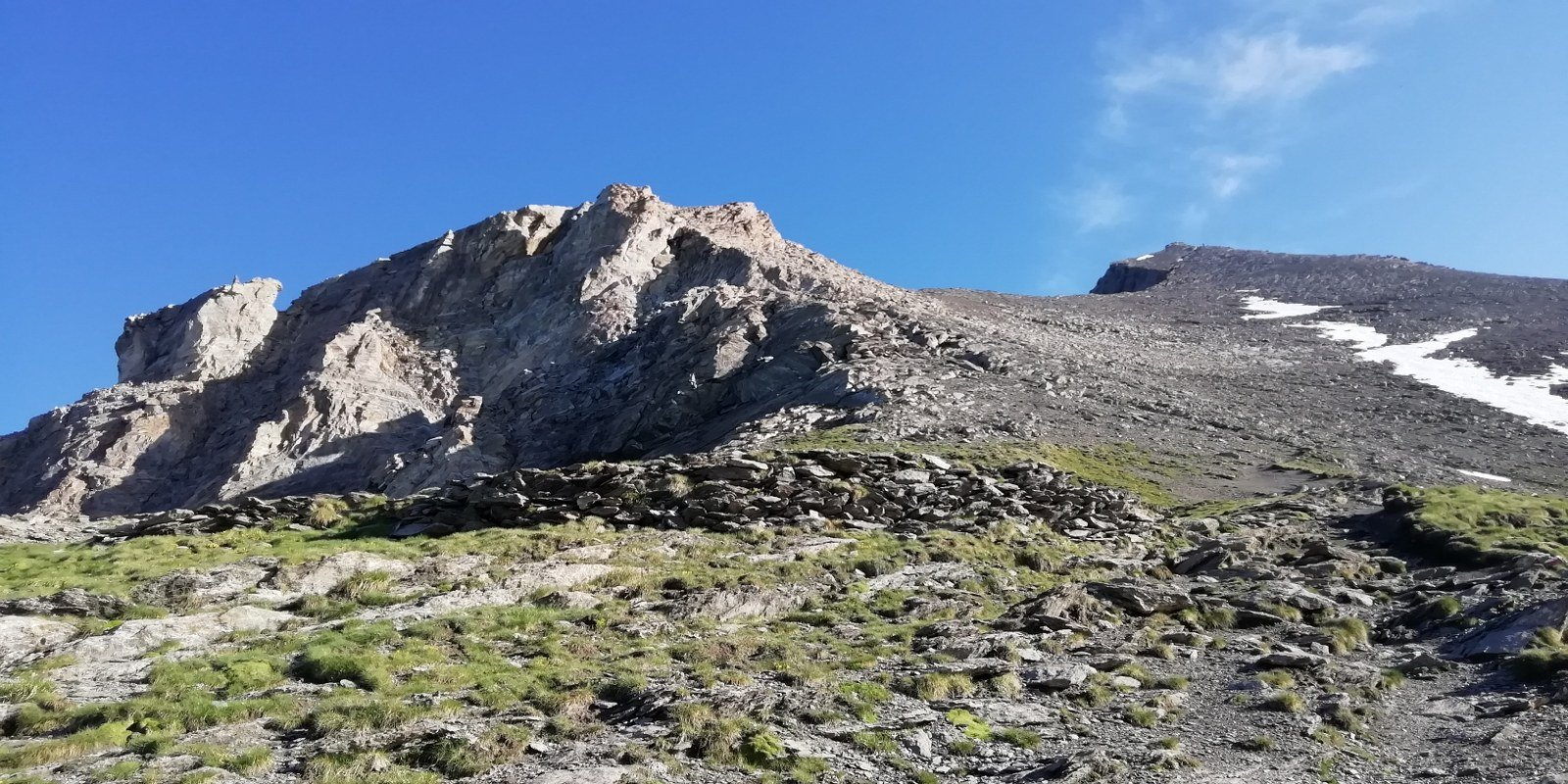 Appena dietro il Ca d'Asti inizia la cresta