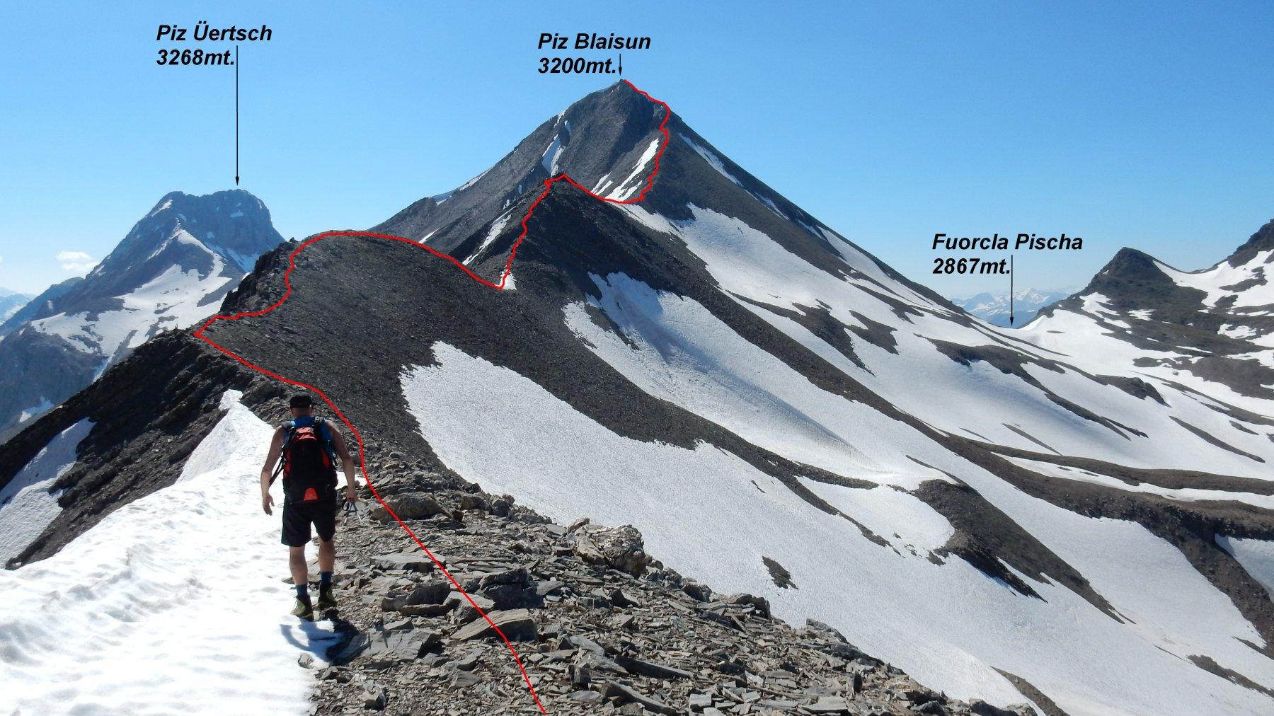 In rosso la traccia di percorso sulla cresta est.
